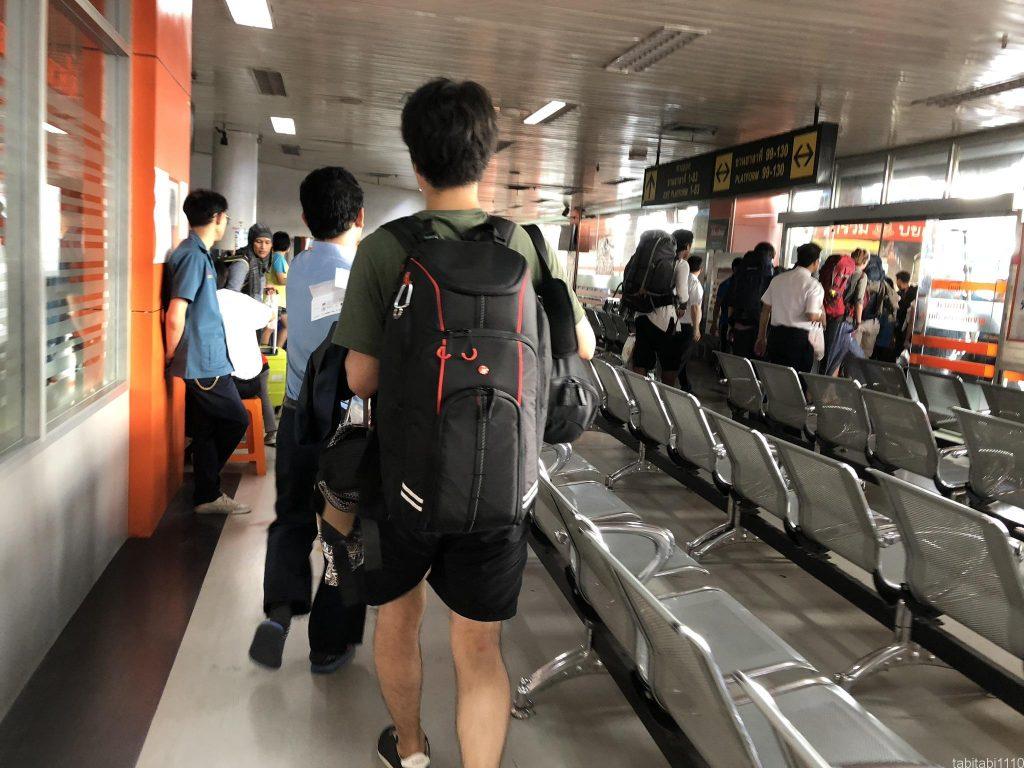 タイからカンボジアへ陸路移動|モーチットバスターミナル