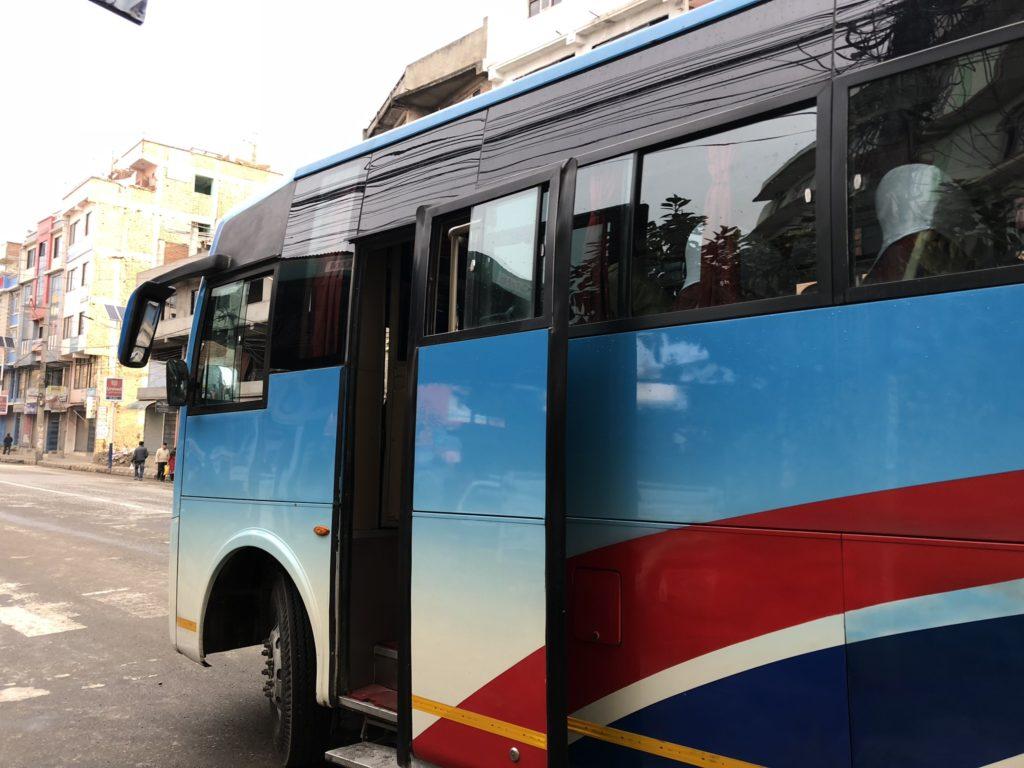 カトマンズからポカラへバス移動|バス
