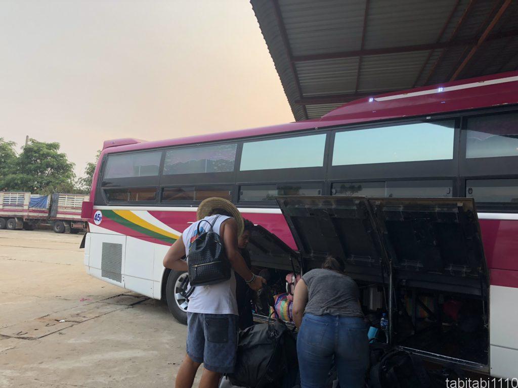 チェンマイからルアンパバーンのスリーピングバス