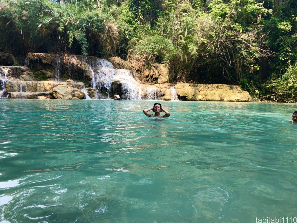 クアンシーの滝で遊ぶ