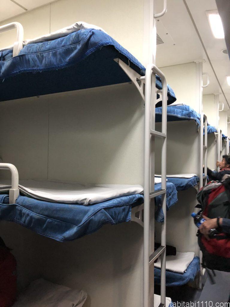 昆明から麗江へ鉄道移動|寝台列車ベッド