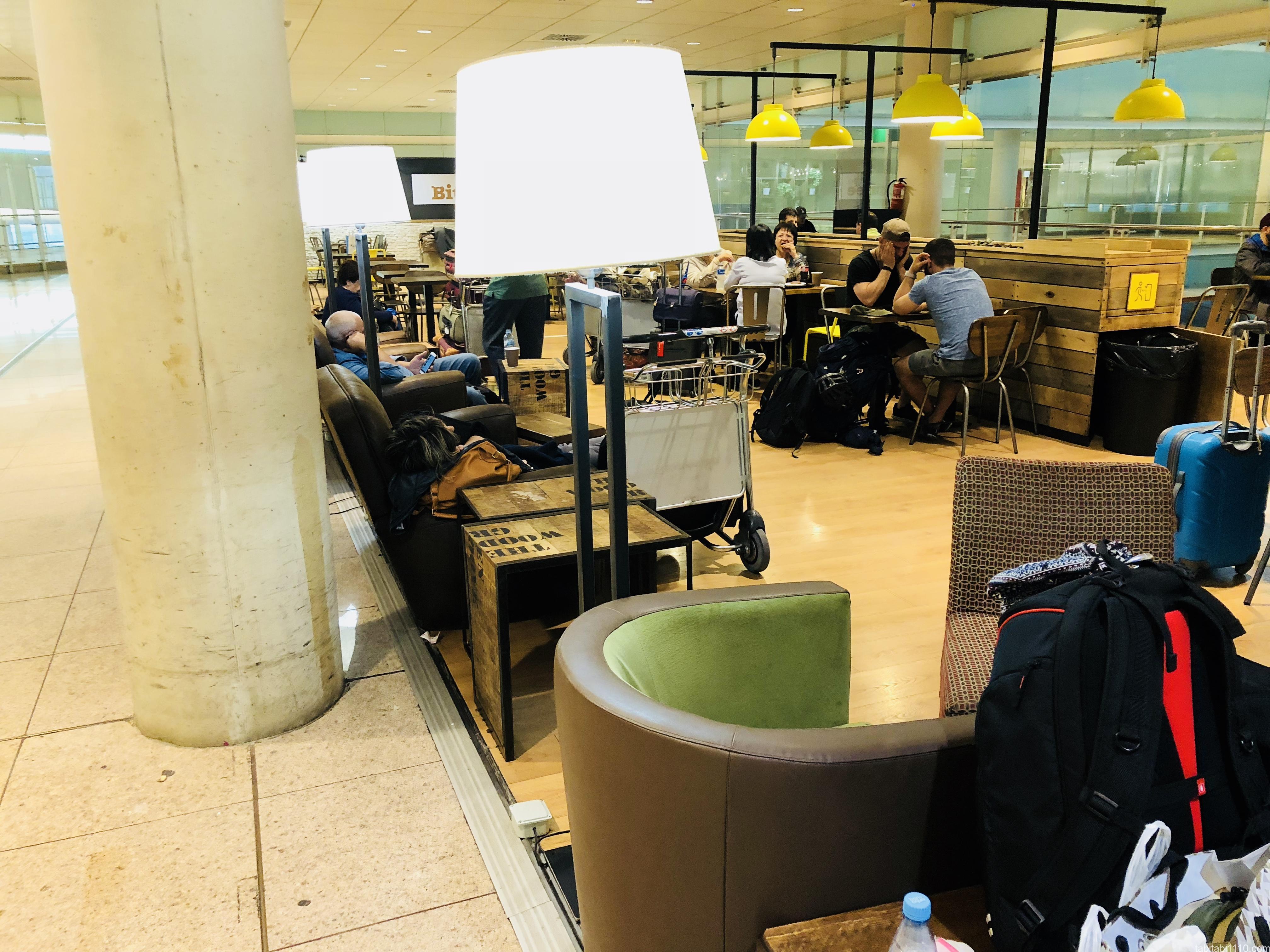 バルセロナで空港泊