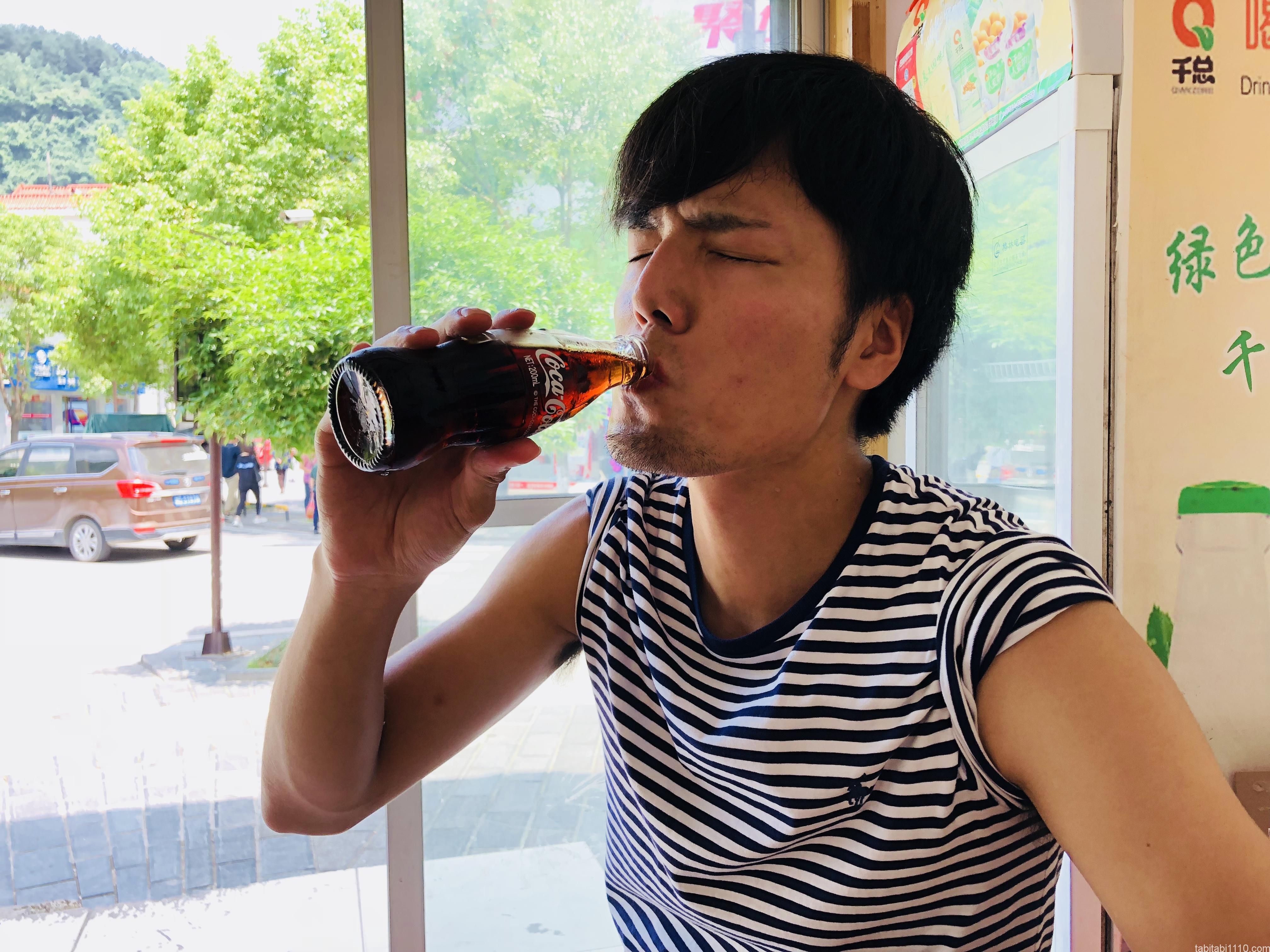 武陵源の食事|おすすめ中華料理店『牛灰汁』で中国コカ・コーラ