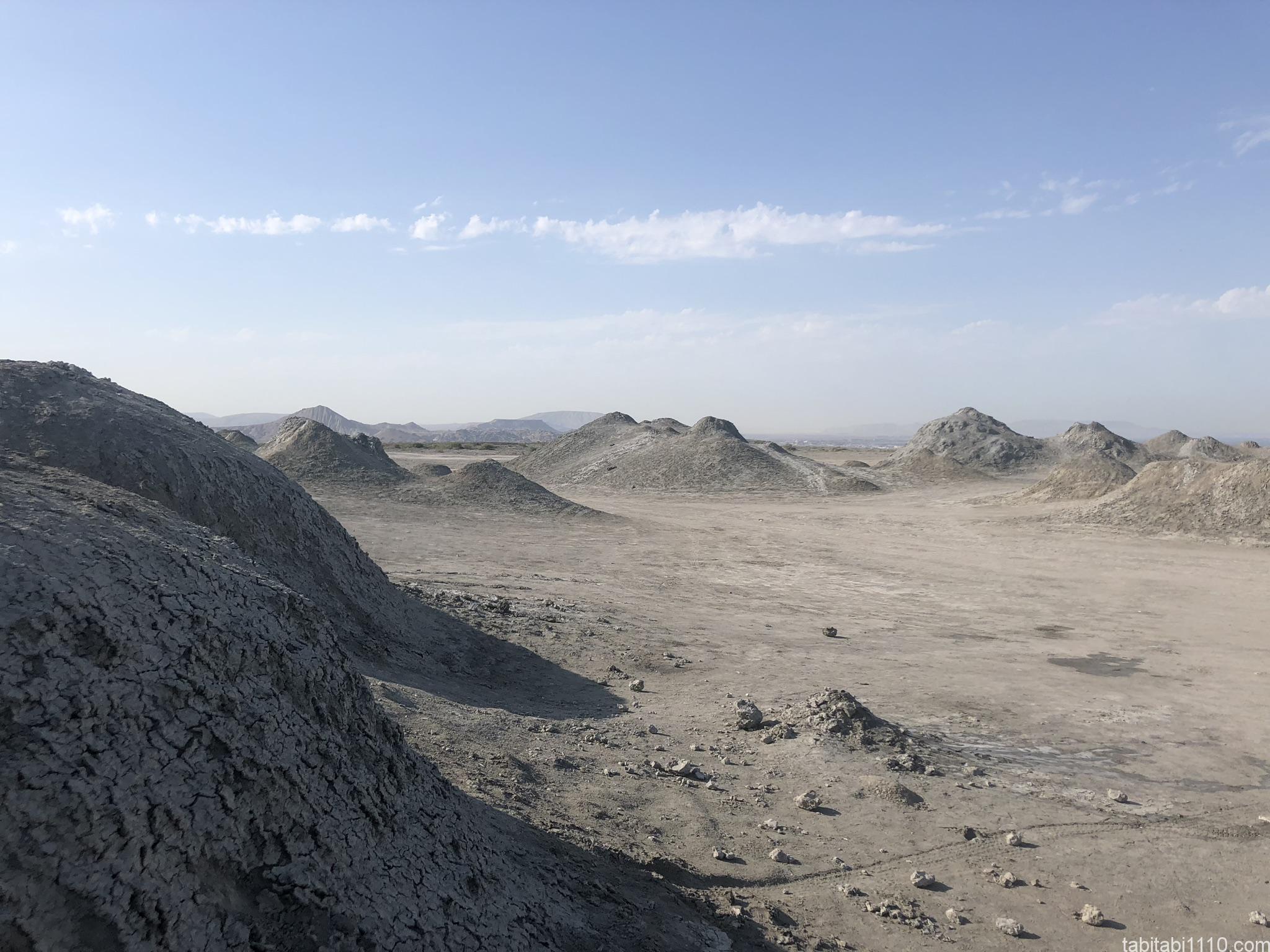 バクー観光|ゴブスタン泥火山