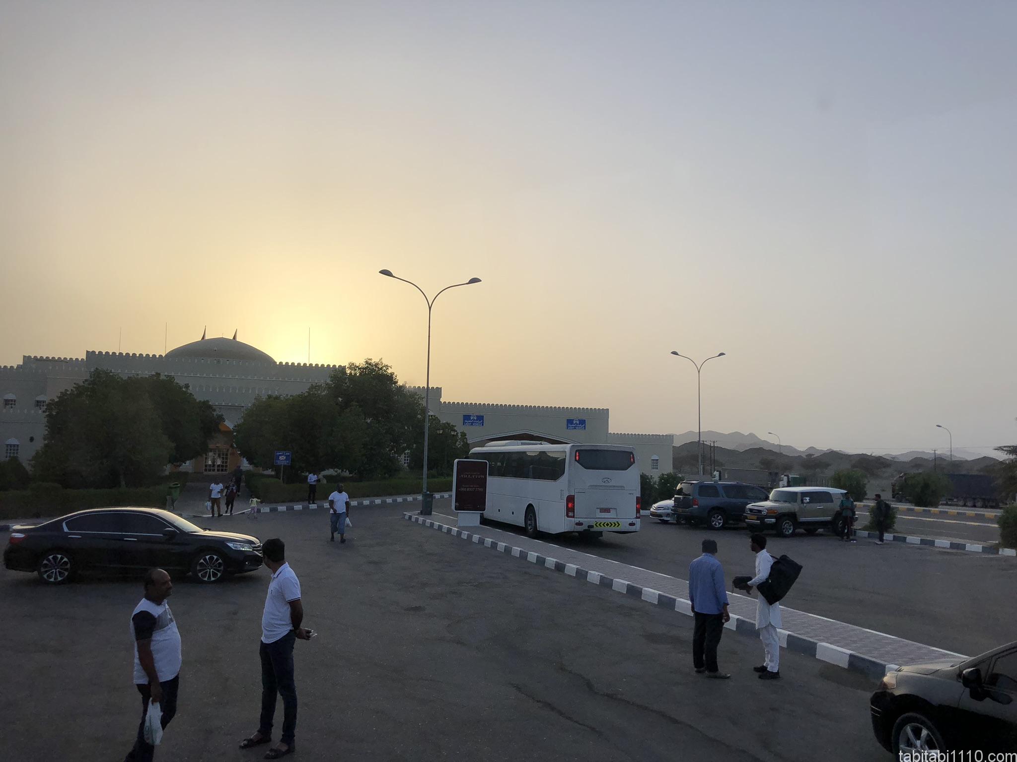 ドバイ⇆マスカット間のバス|オマーン国境