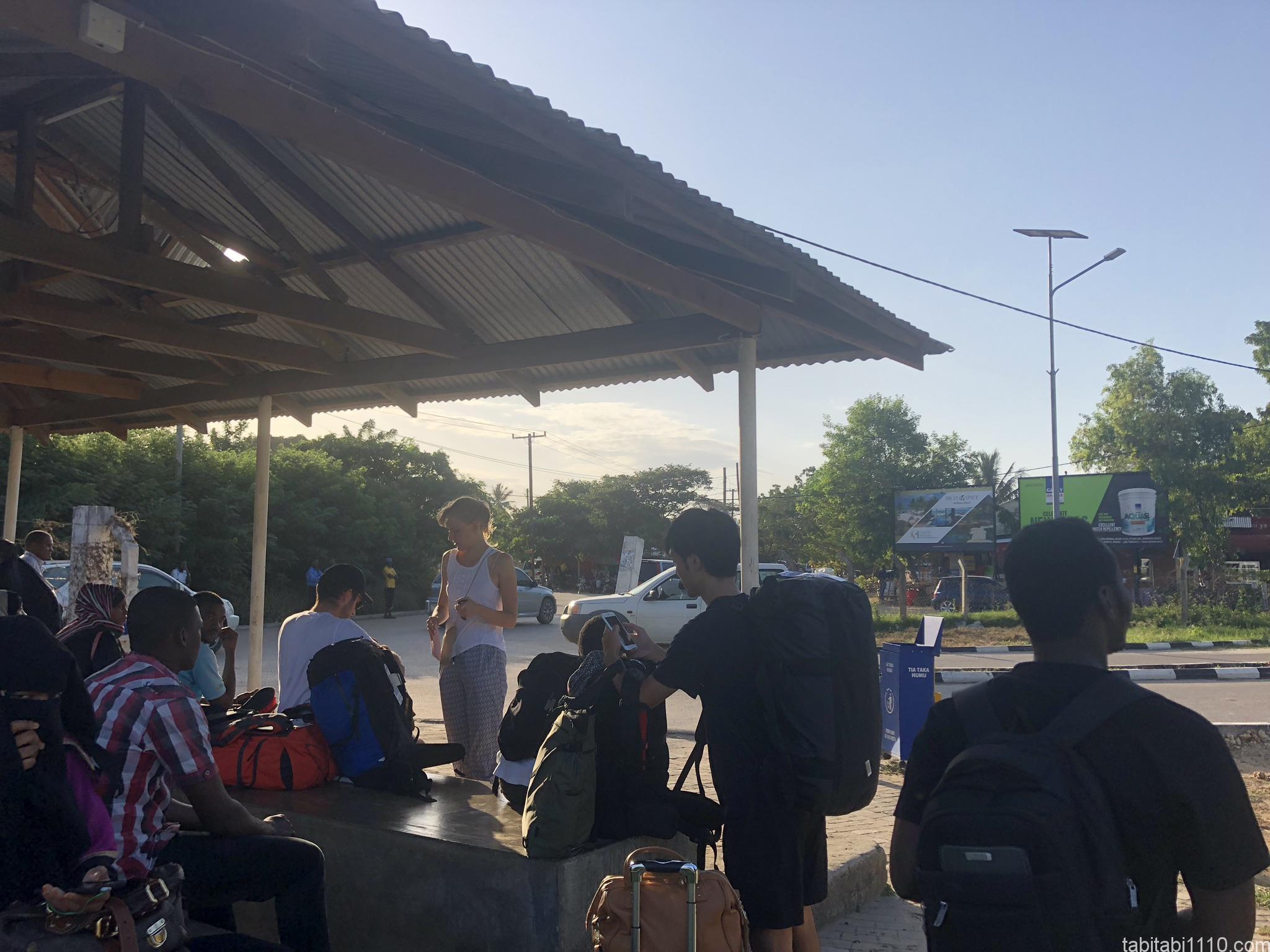 ザンジバル空港ダラダラ