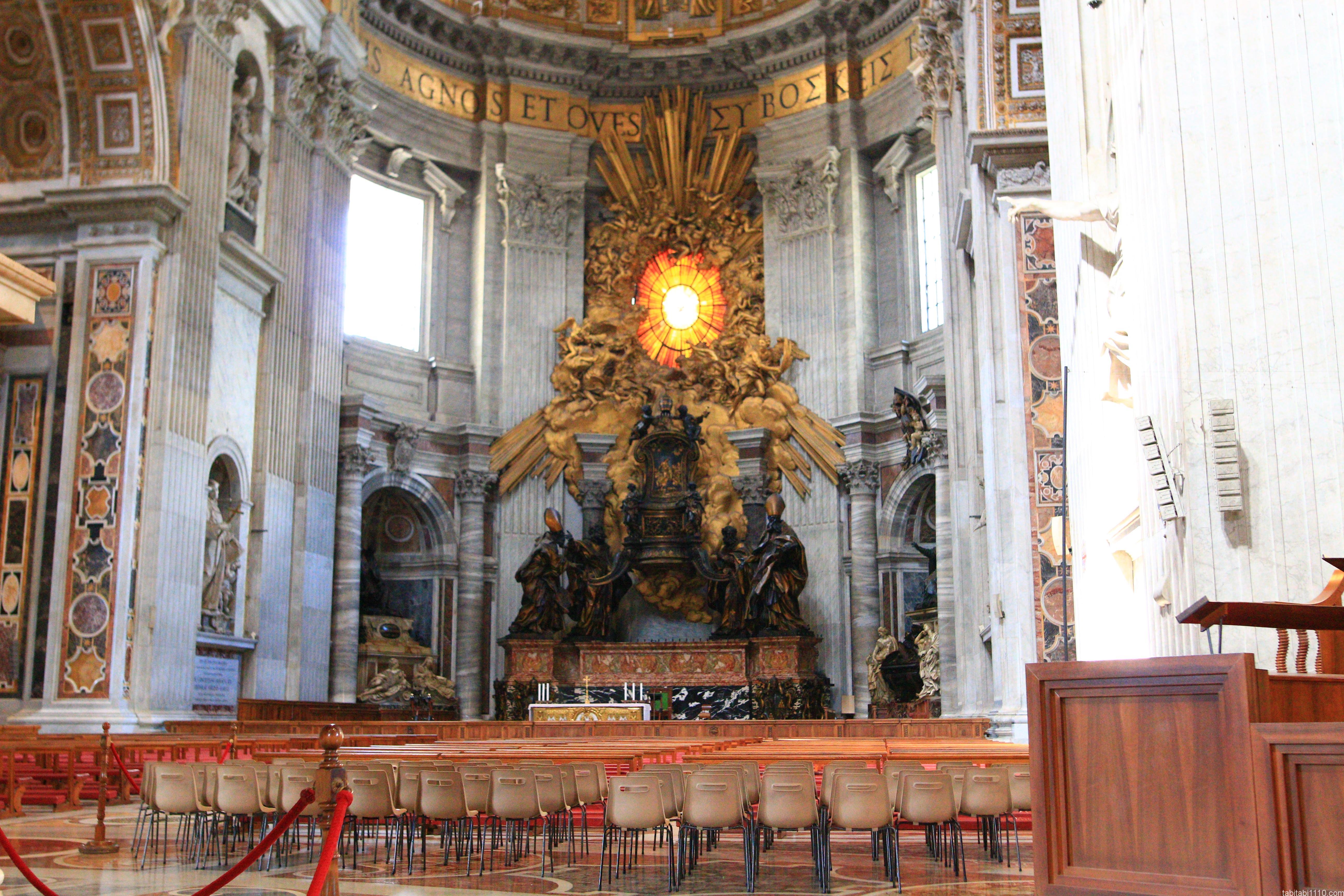 サン・ピエトロ大聖堂|ローマ法王の椅子