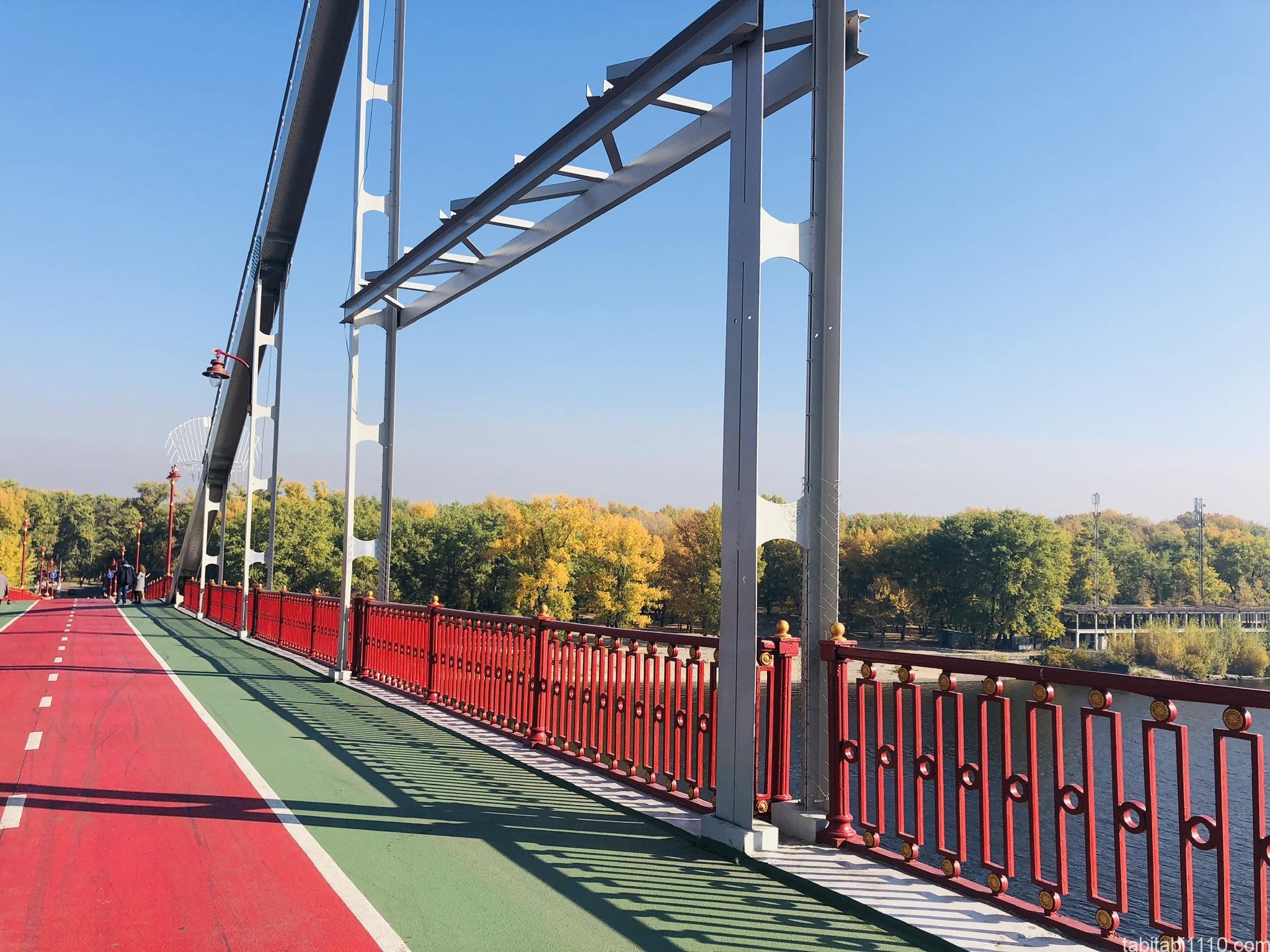 キエフ|ホコテン橋からの紅葉