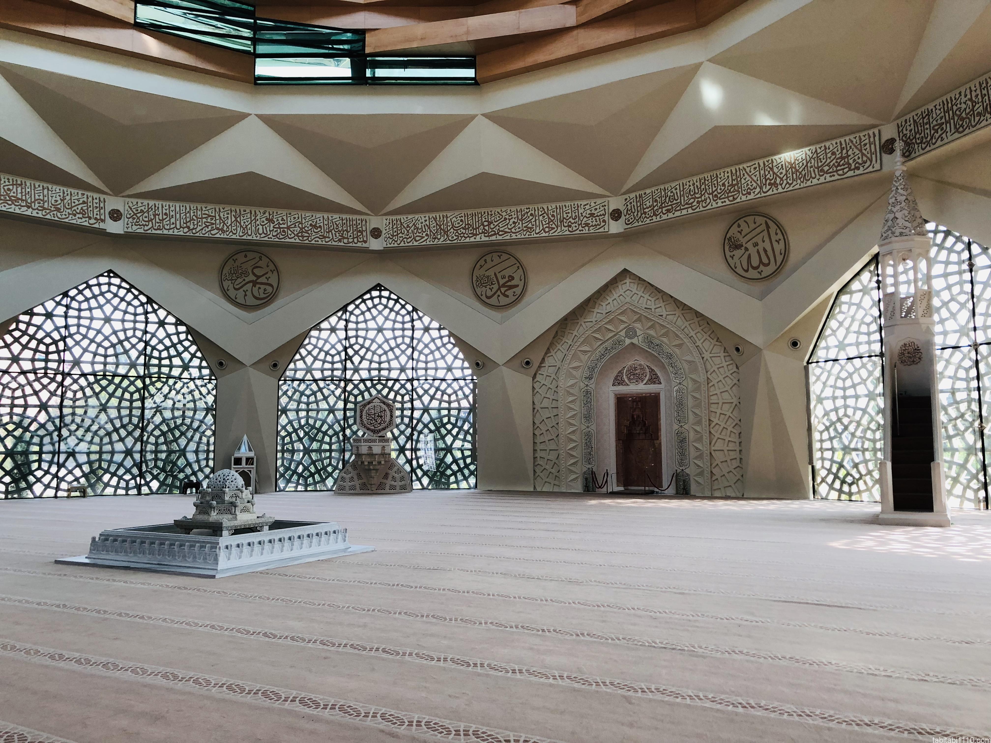 イスタンブール|アジア側モスク内装