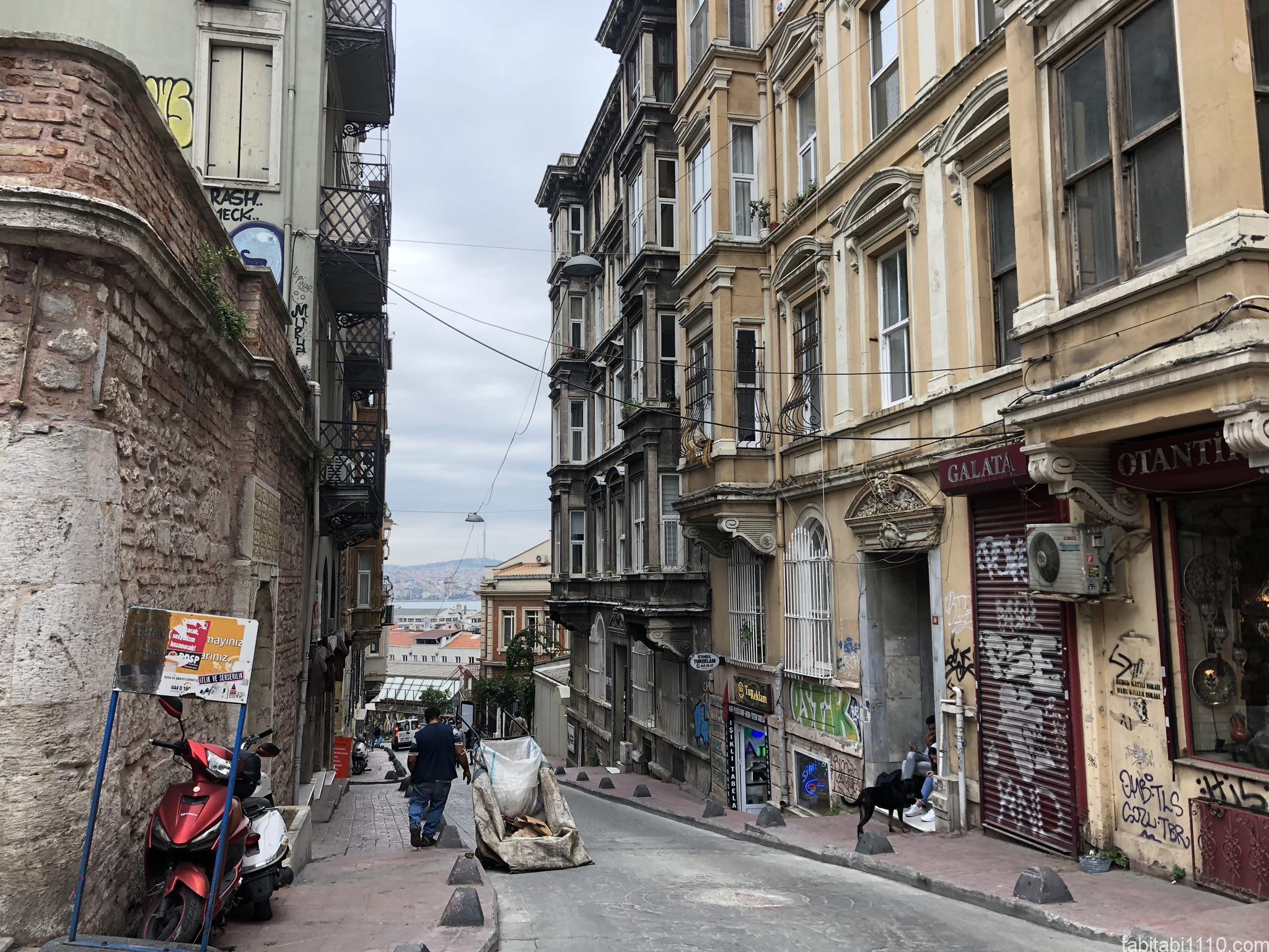 イスタンブール|新市街坂道
