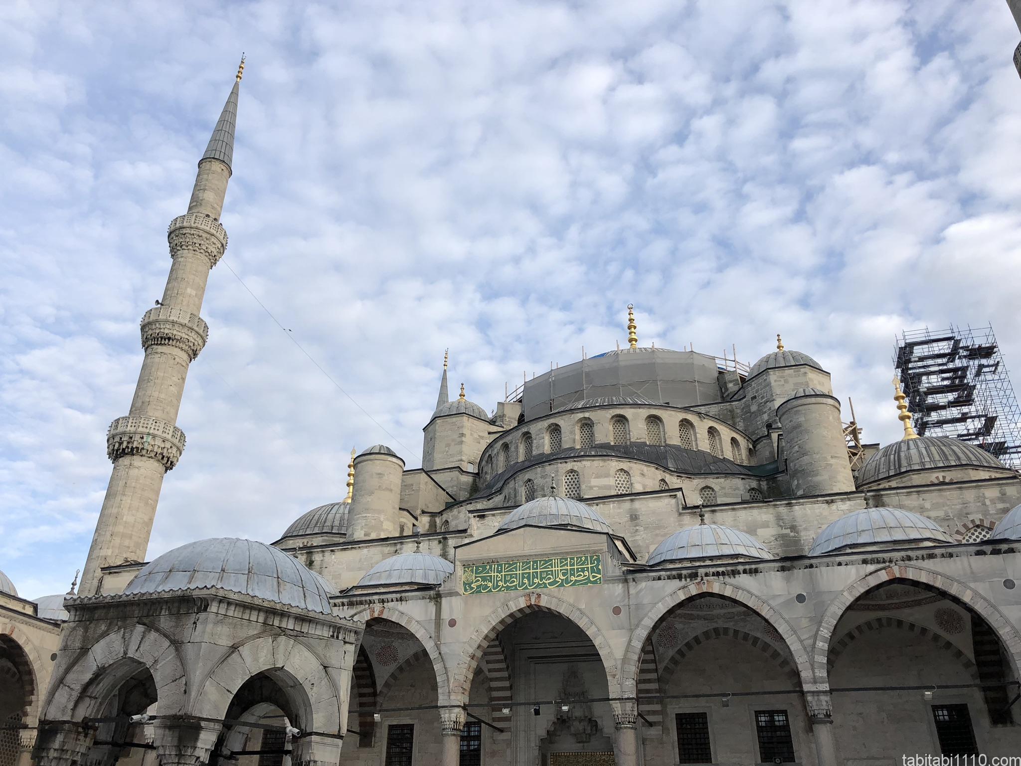 イスタンブール|ブルーモスク外観①