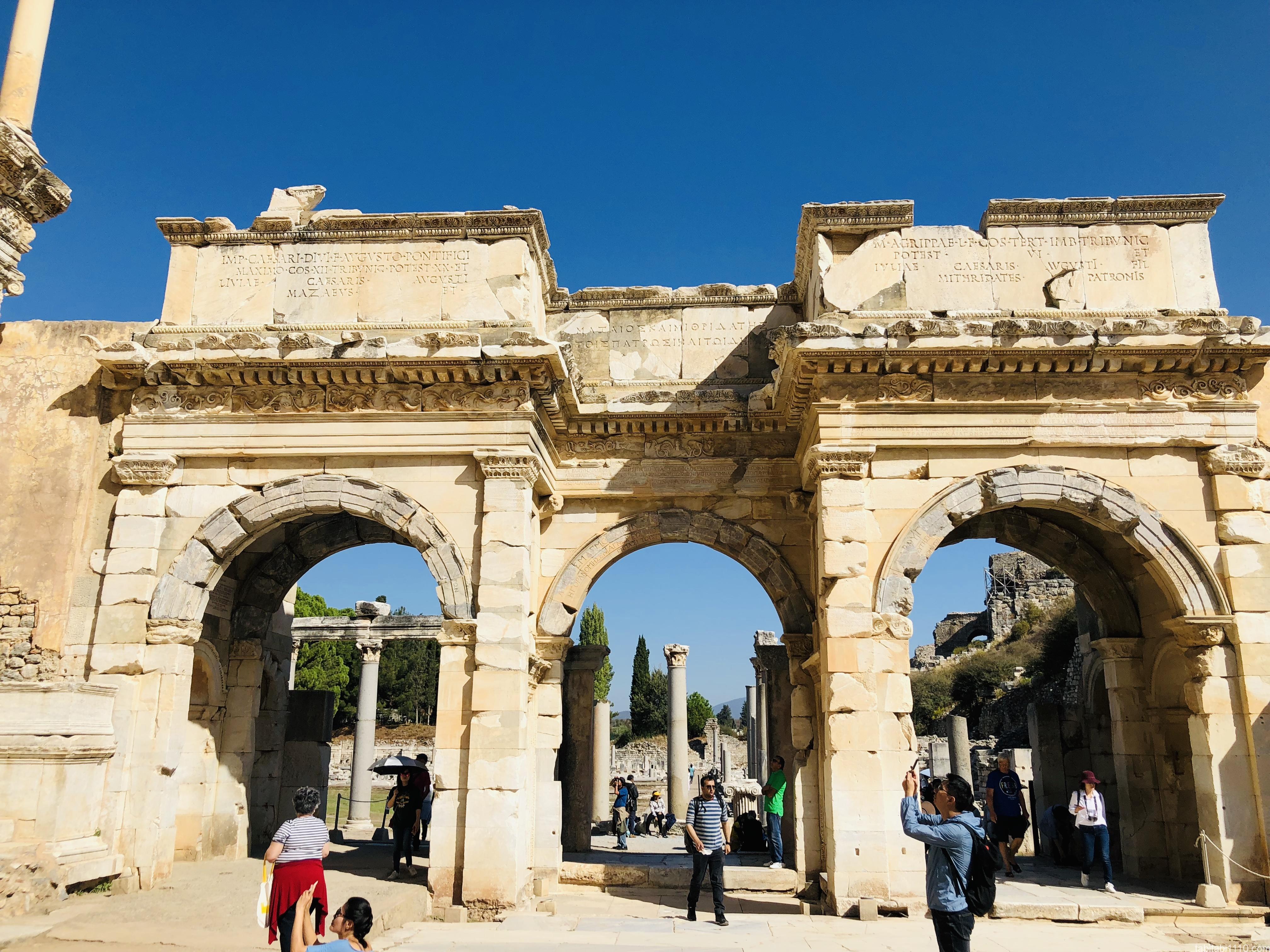 エフェソス遺跡|図書館の正面玄関
