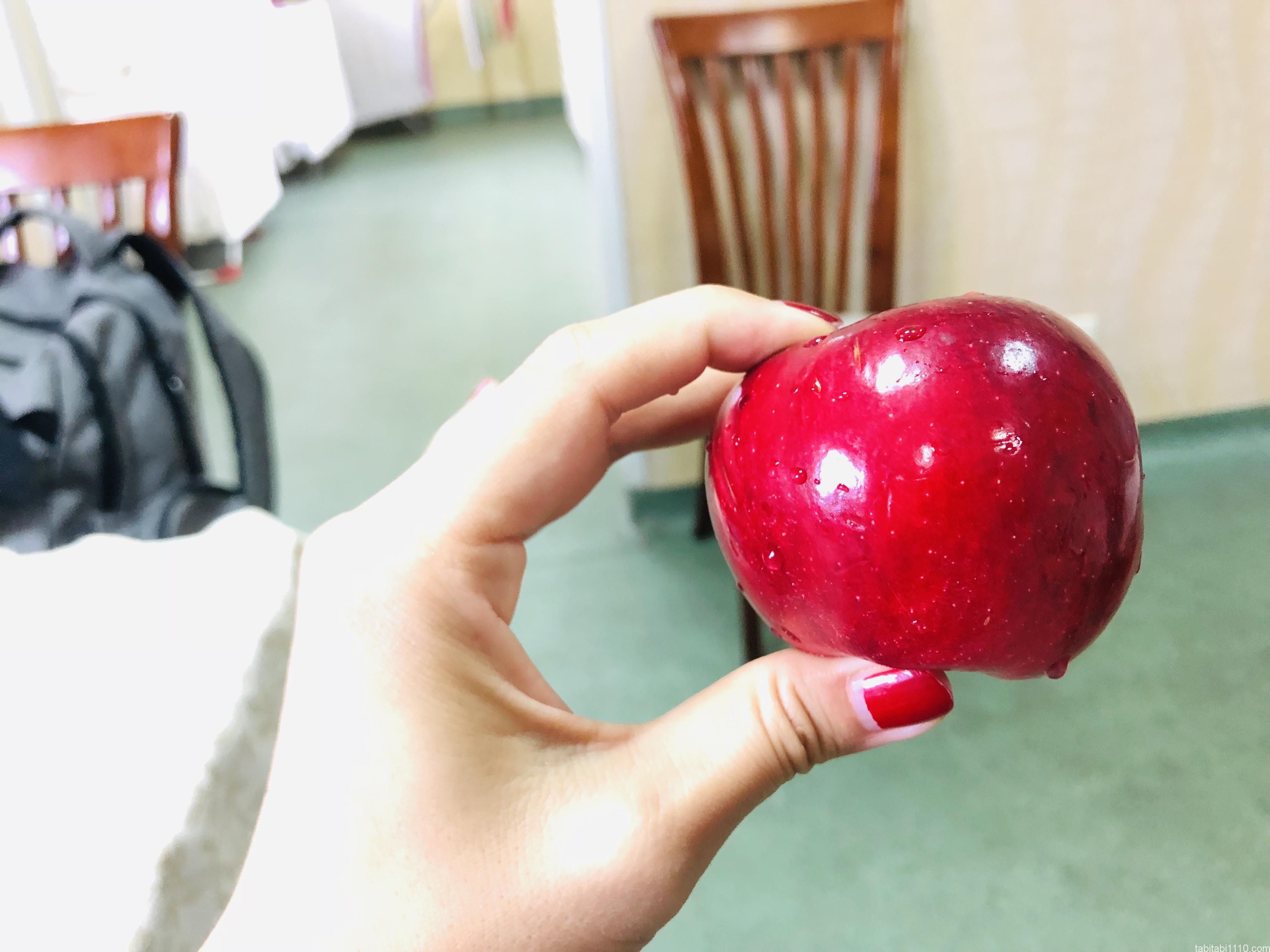 エブちゃんからもらったりんご