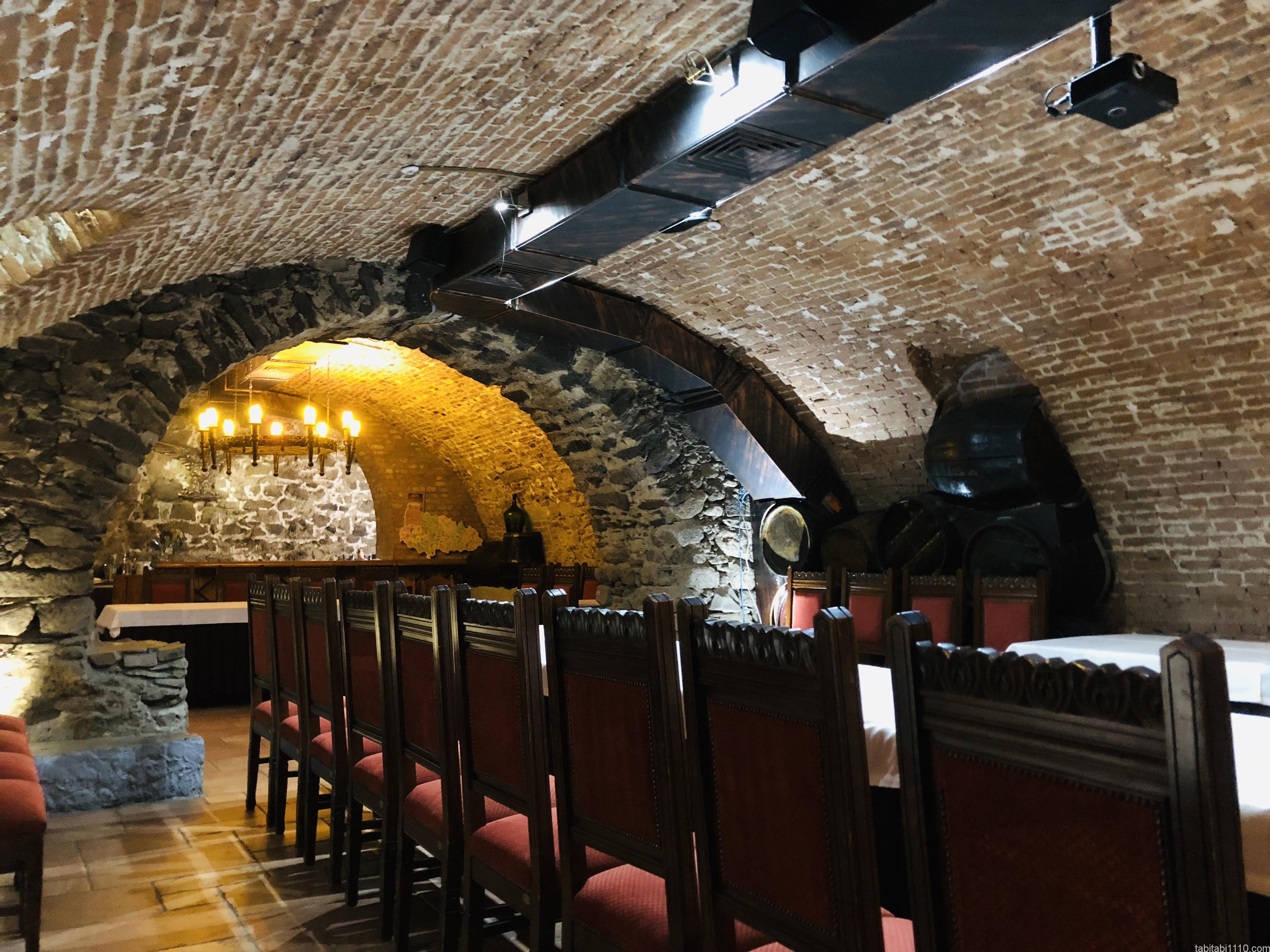 ウジホロド城|ワイン試飲店内