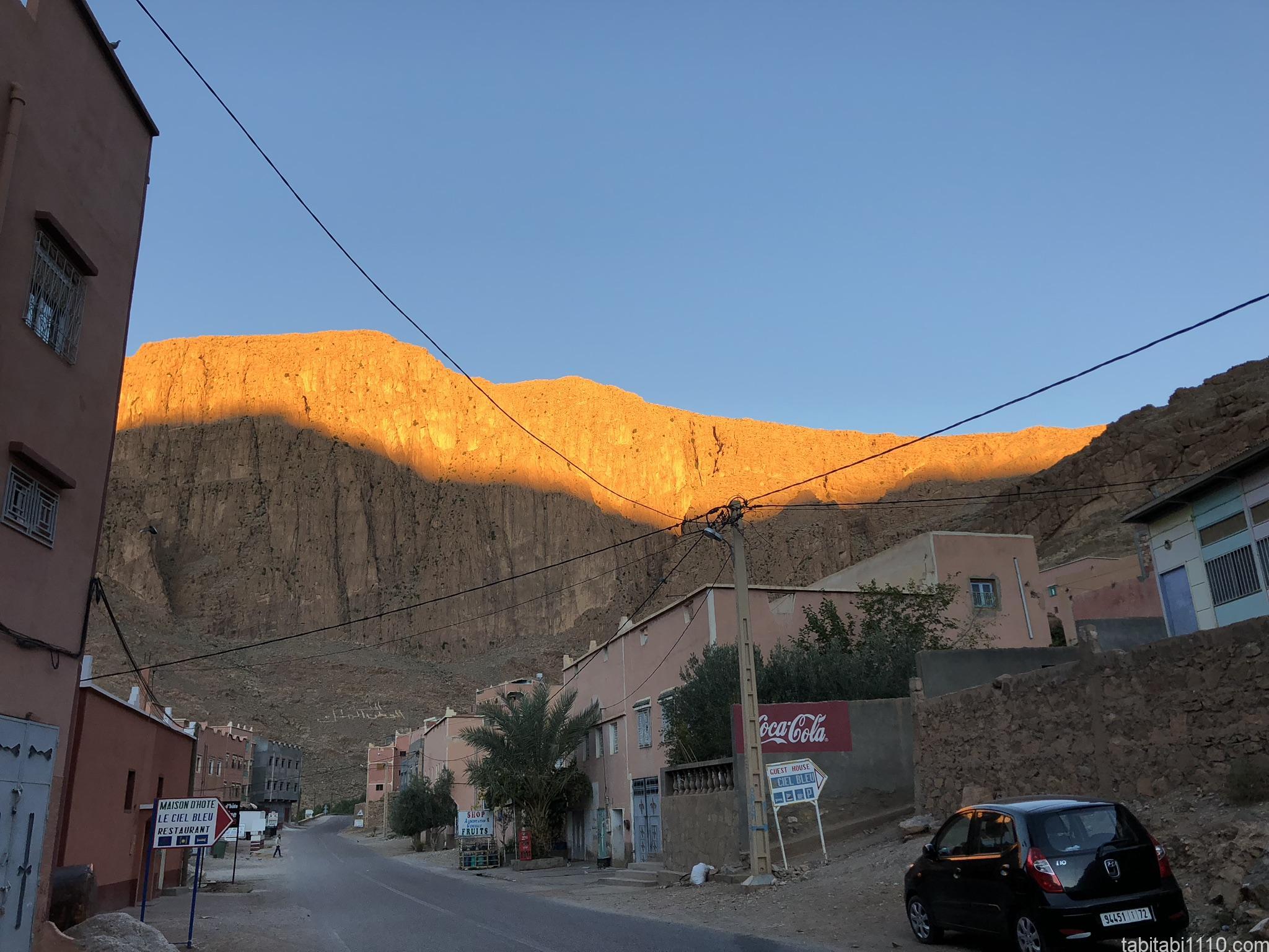 朝のトドラ渓谷