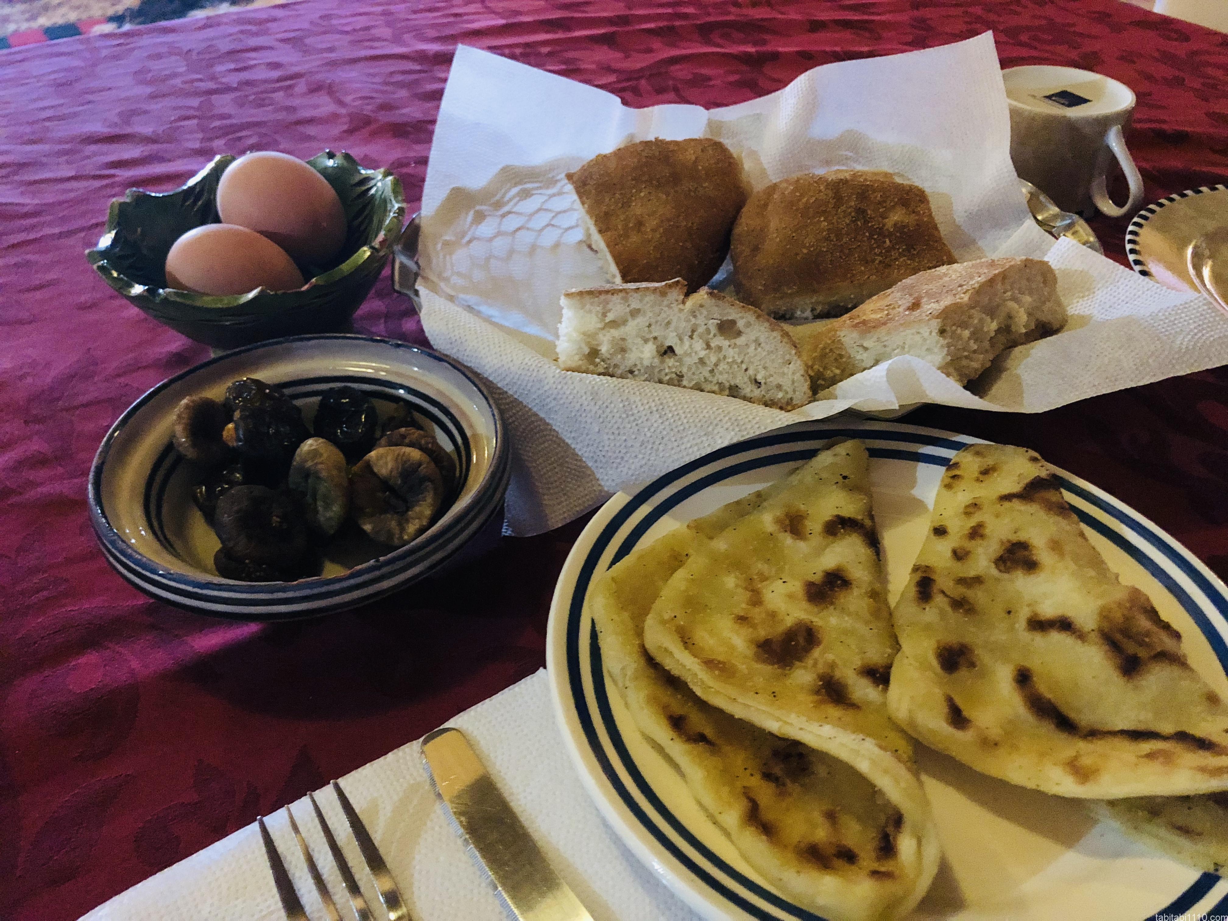 アイットベンハドゥでの朝食