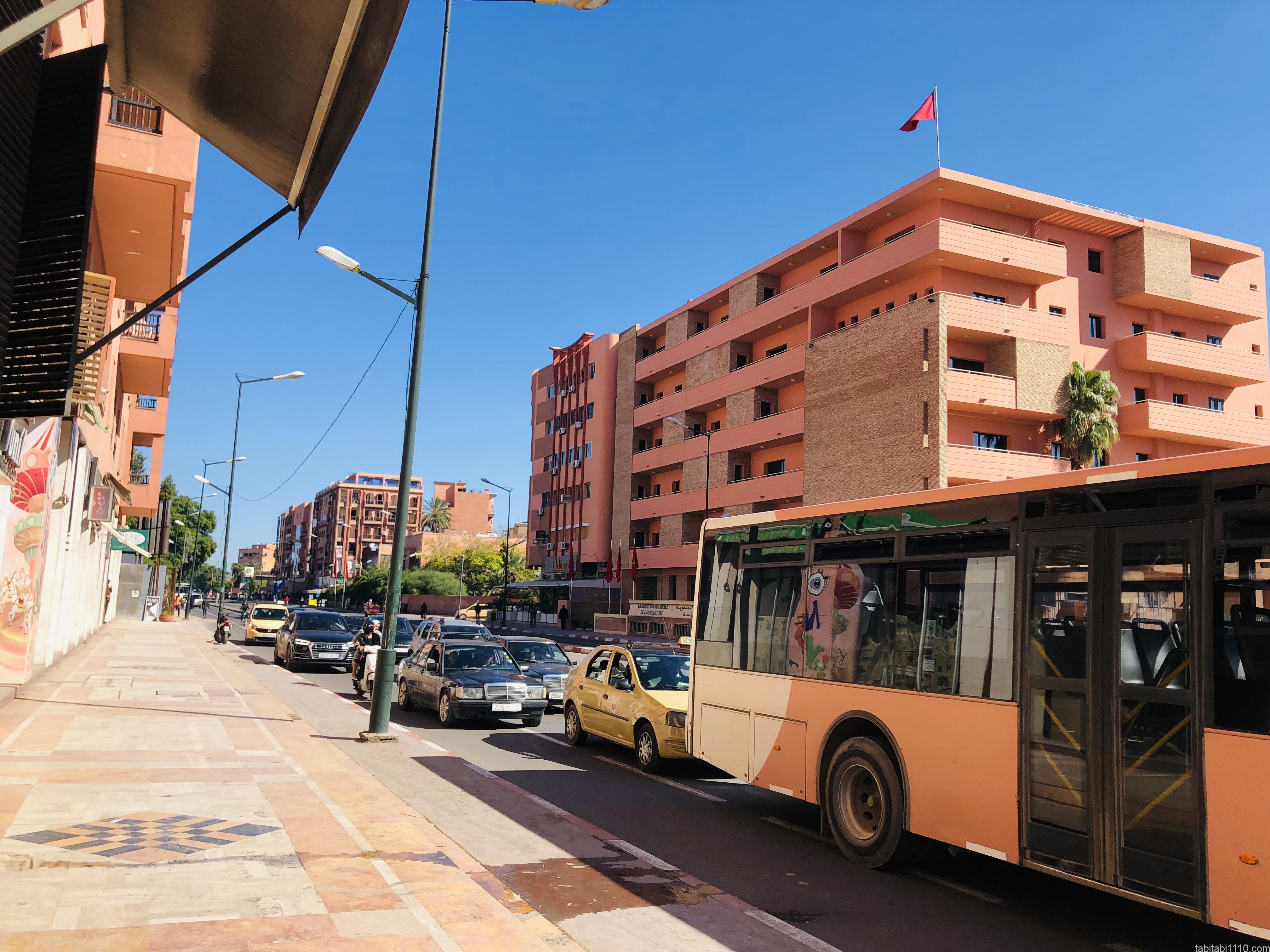 マラケシュ|新市街とバス