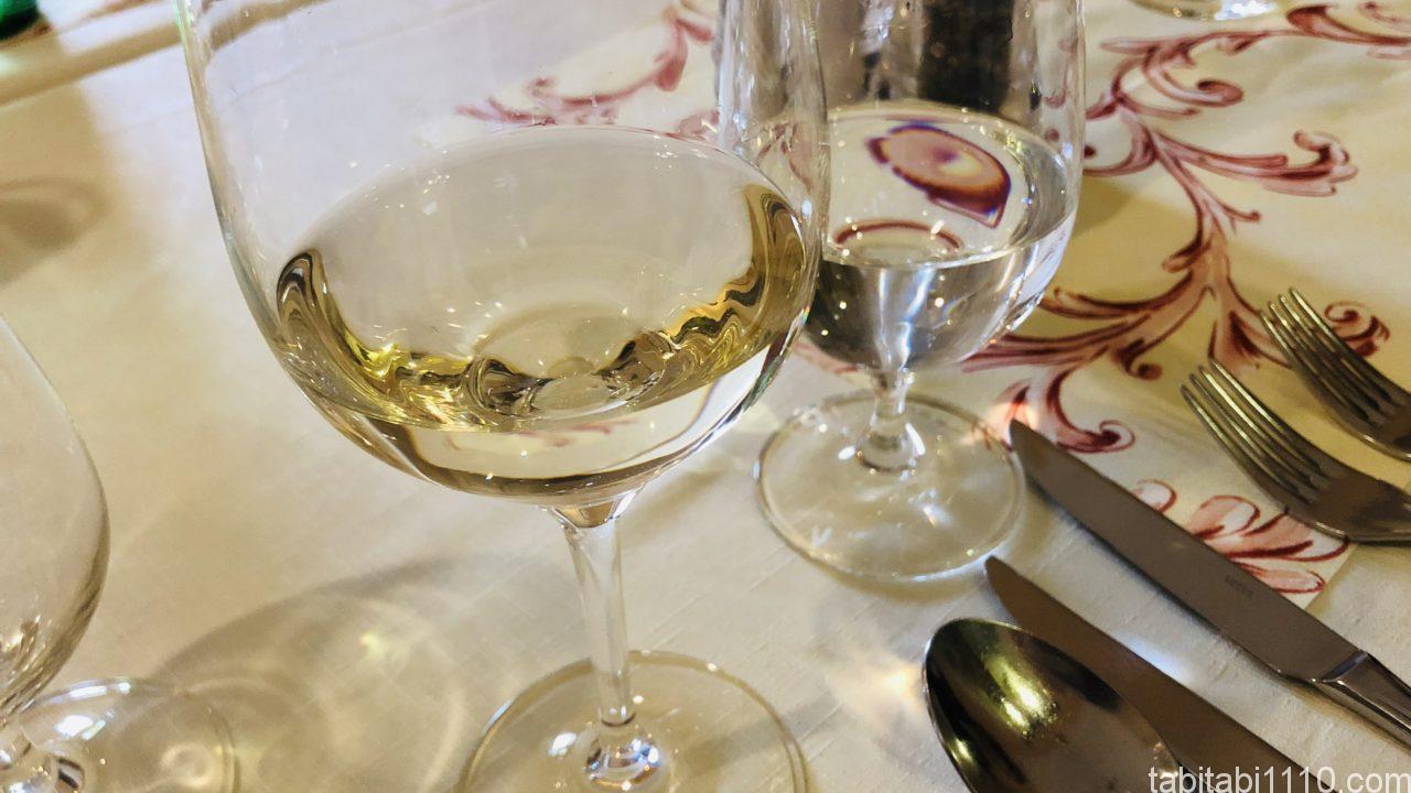 ピエシチェニ|レストランのワイン