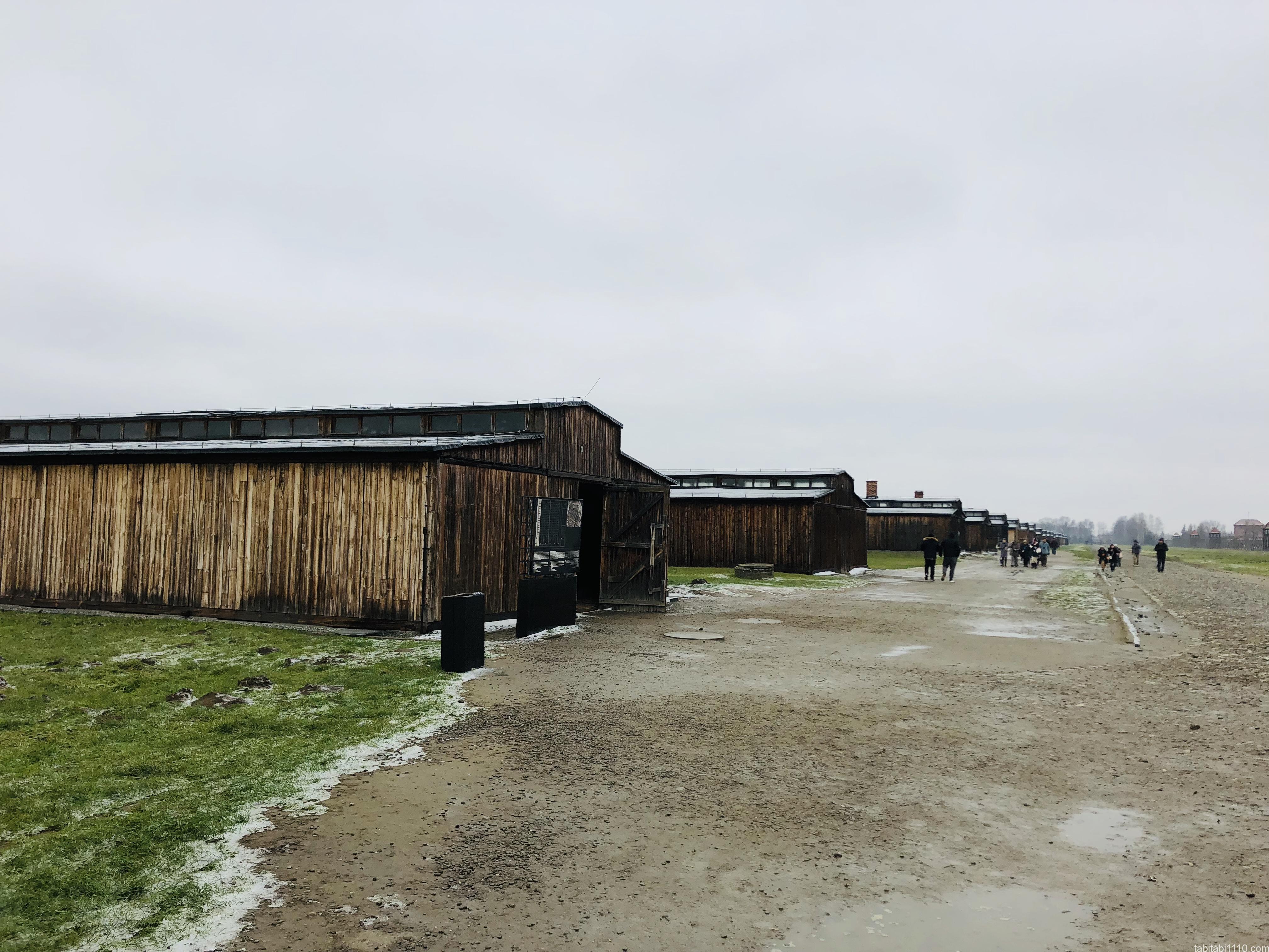 ビルケナウ強制収容所|雑居房
