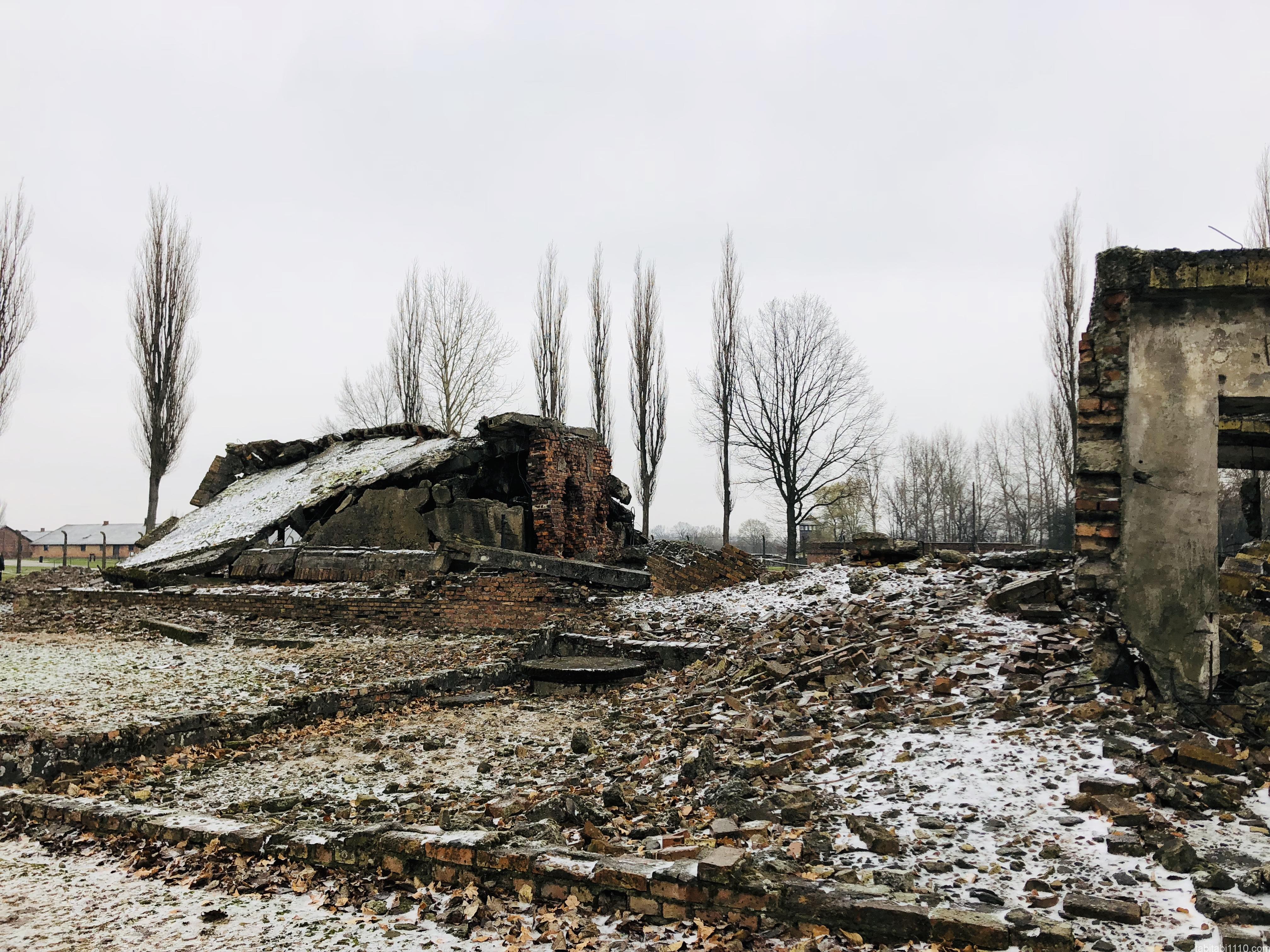 ビルケナウ強制収容所|破壊された建物
