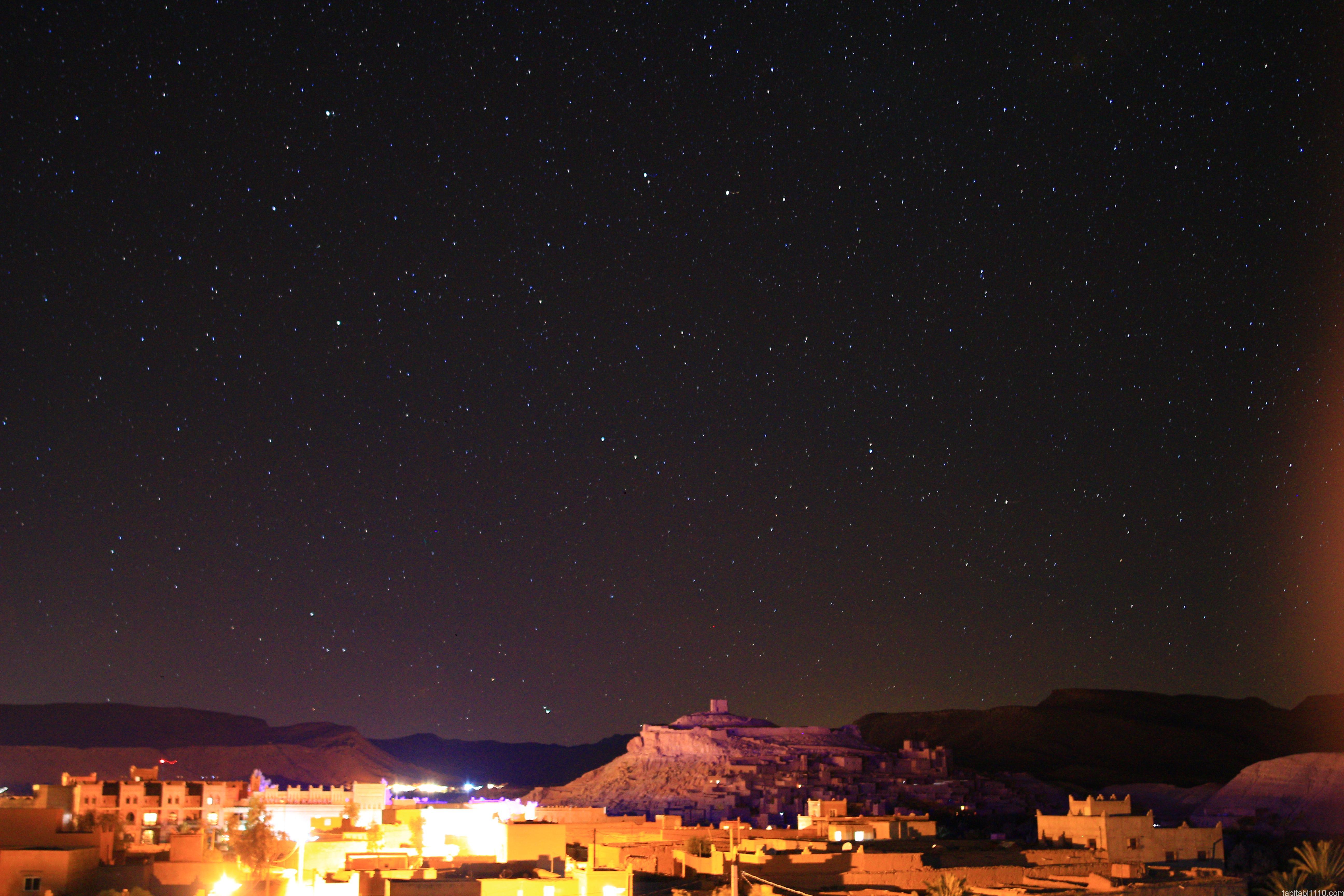 アイットベンハドゥの集落の夜景