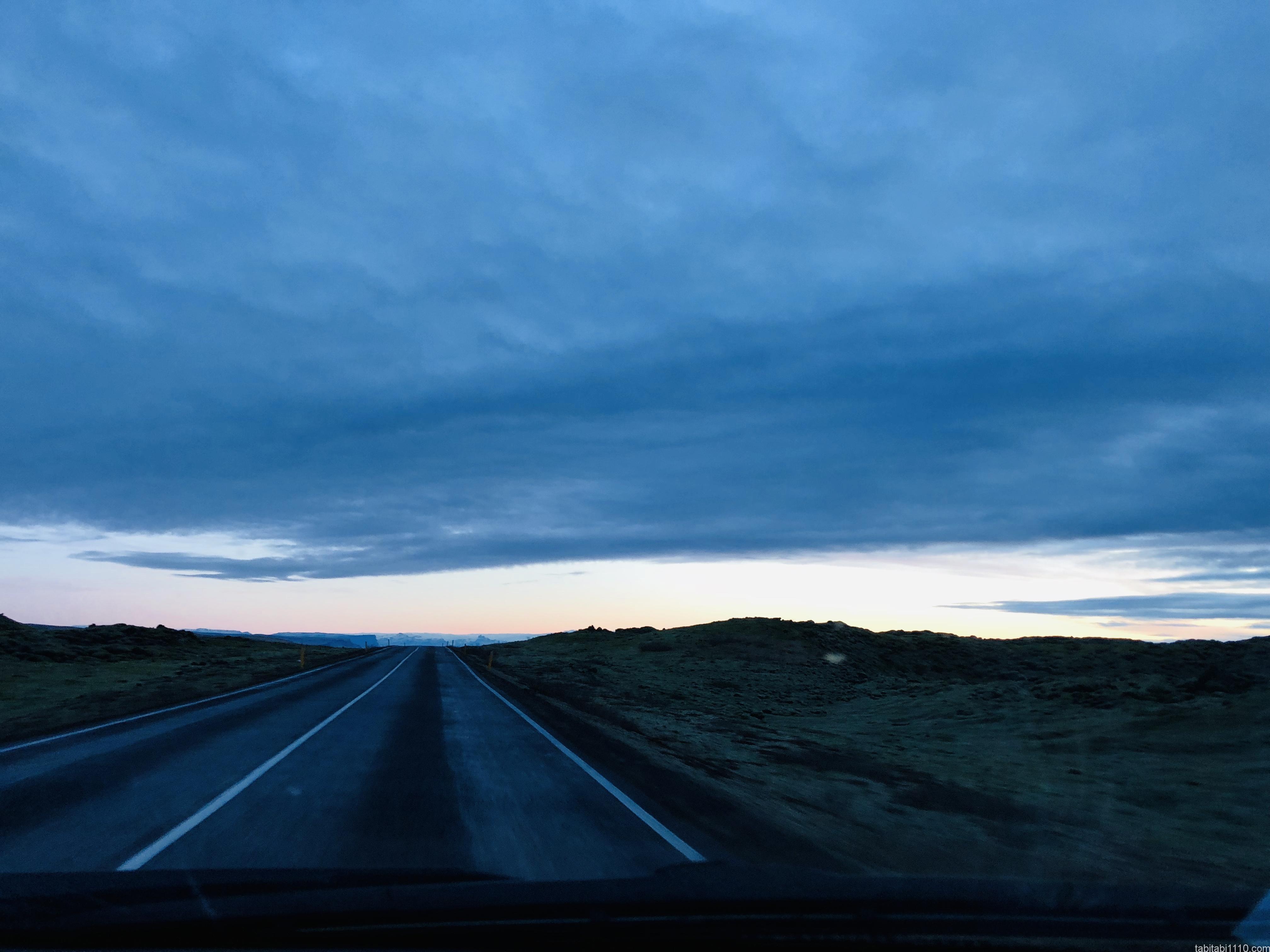 曇天のアイスランド