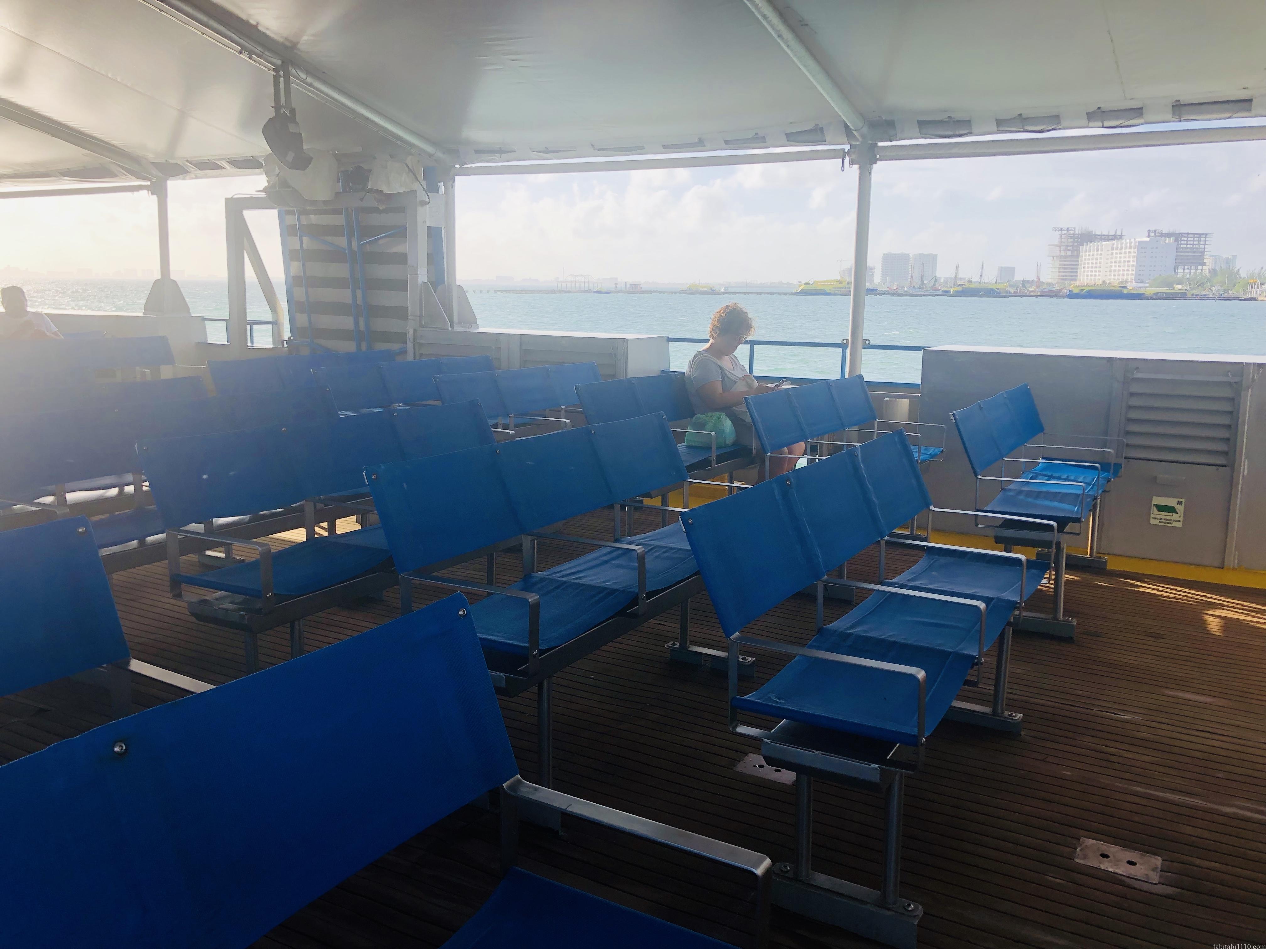 カンクン→イスラムヘーレス行きのフェリー船内
