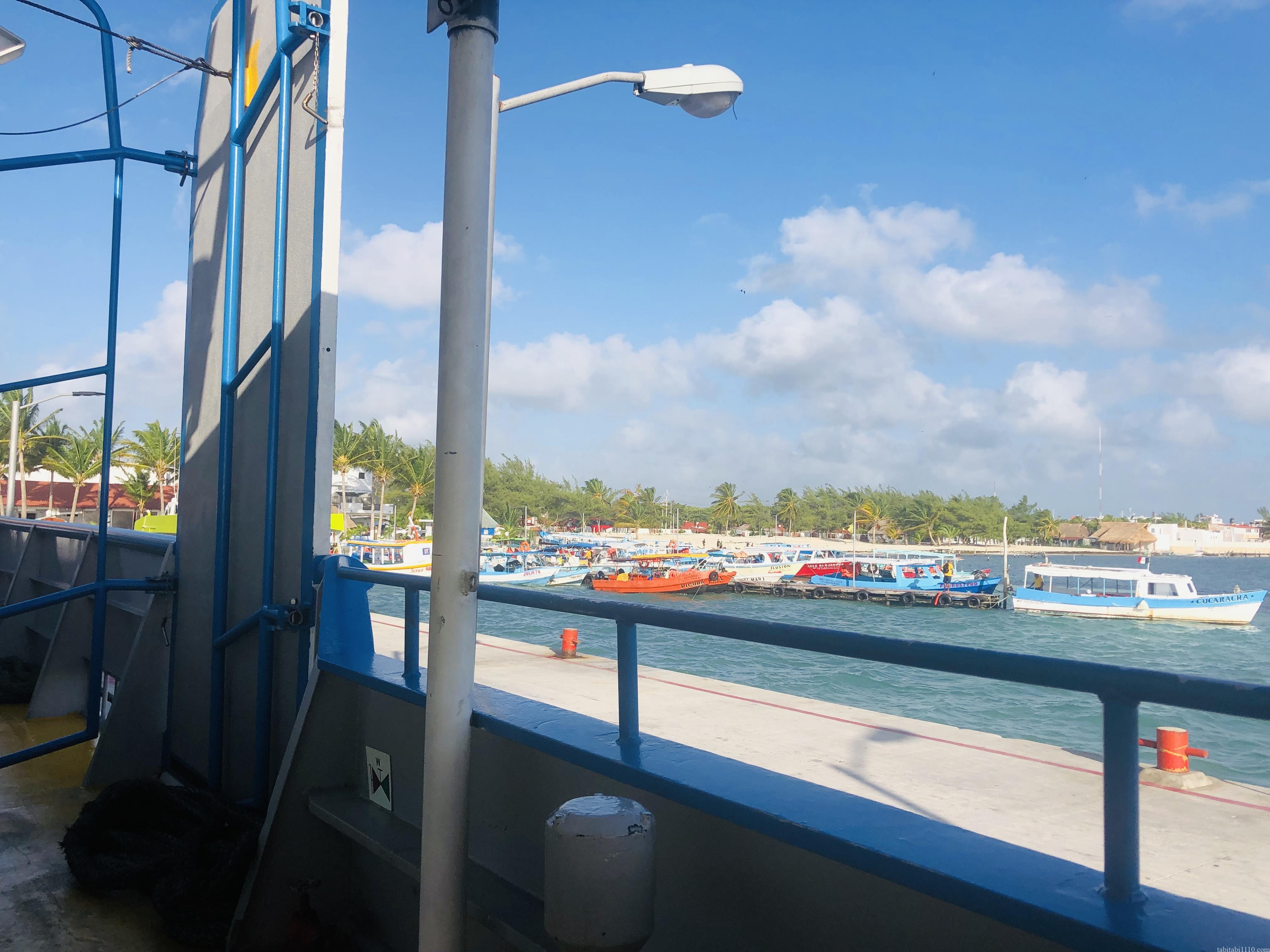 船から見たカンクン