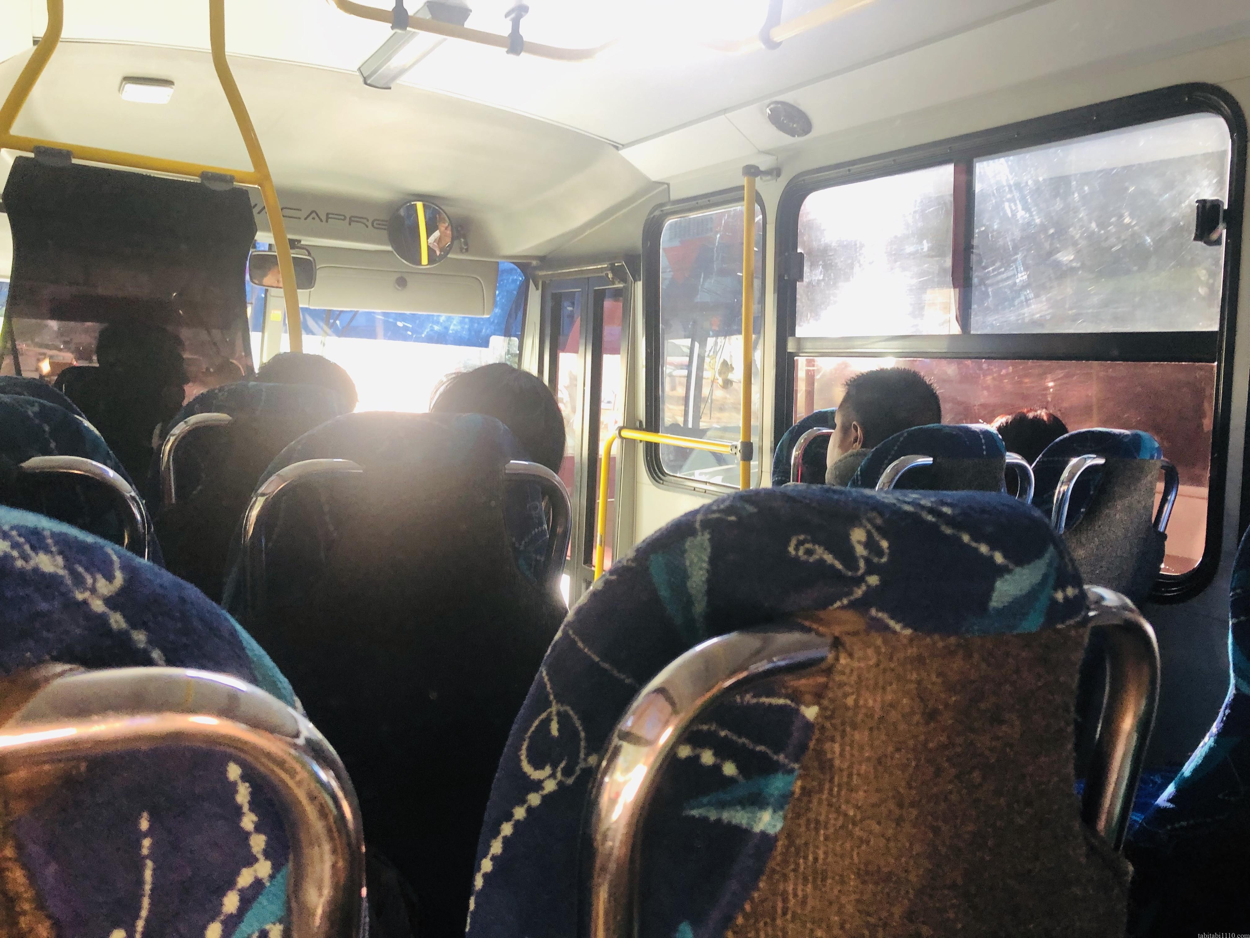 オアハカ ミトラ行きのバス車内