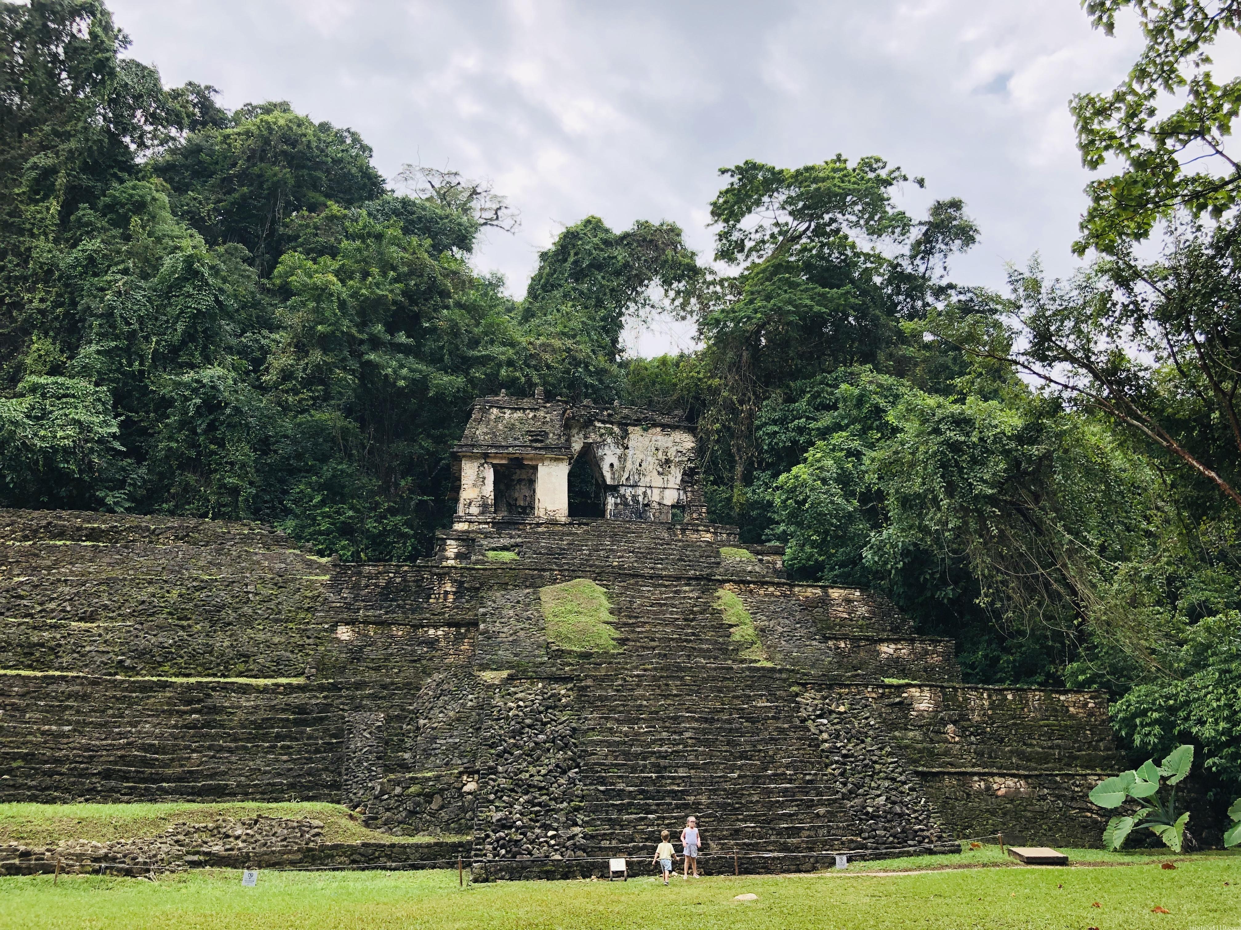 パレンケ遺跡|頭蓋骨の神殿
