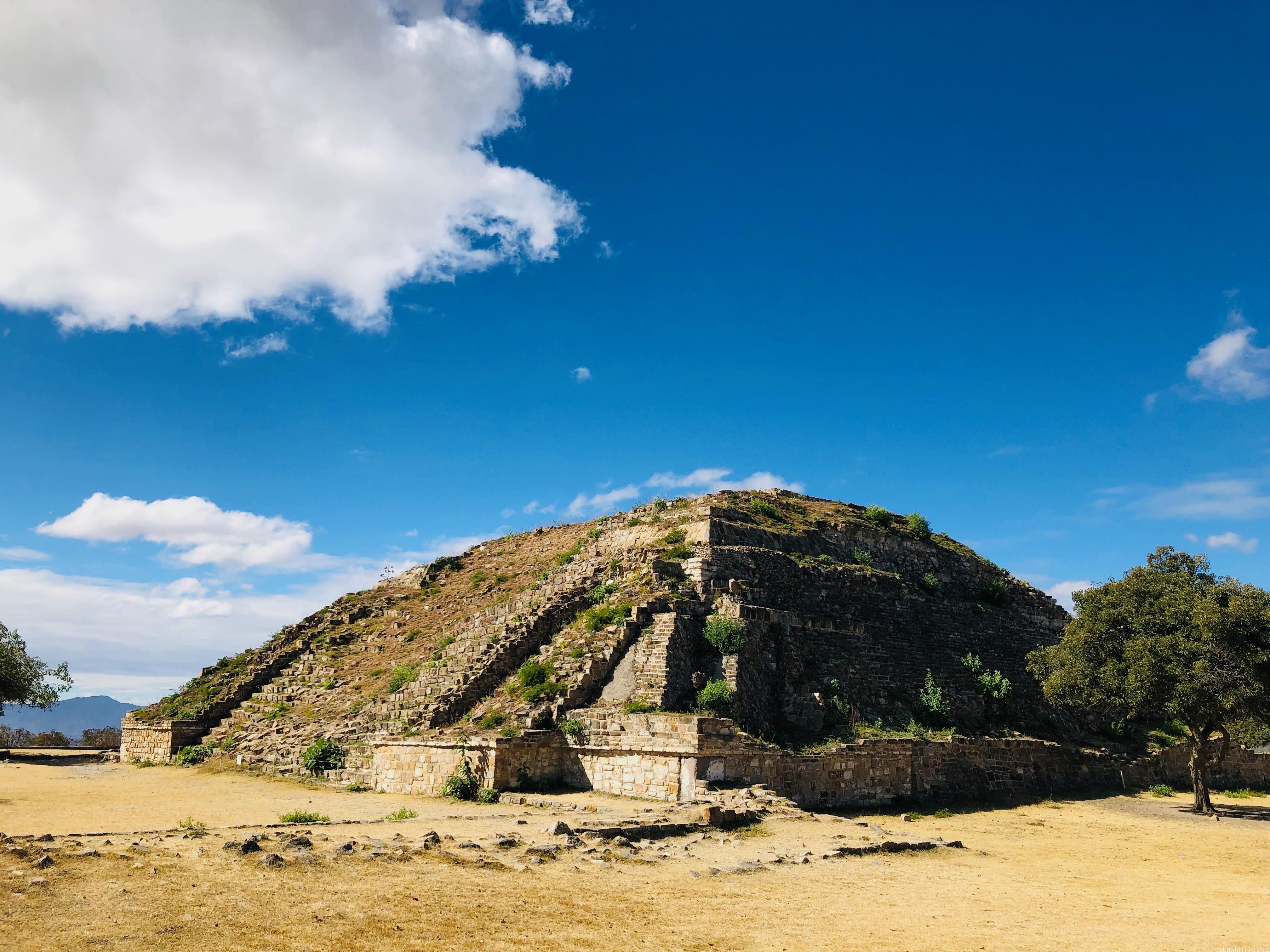 モンテアルバン 南の大墳墓