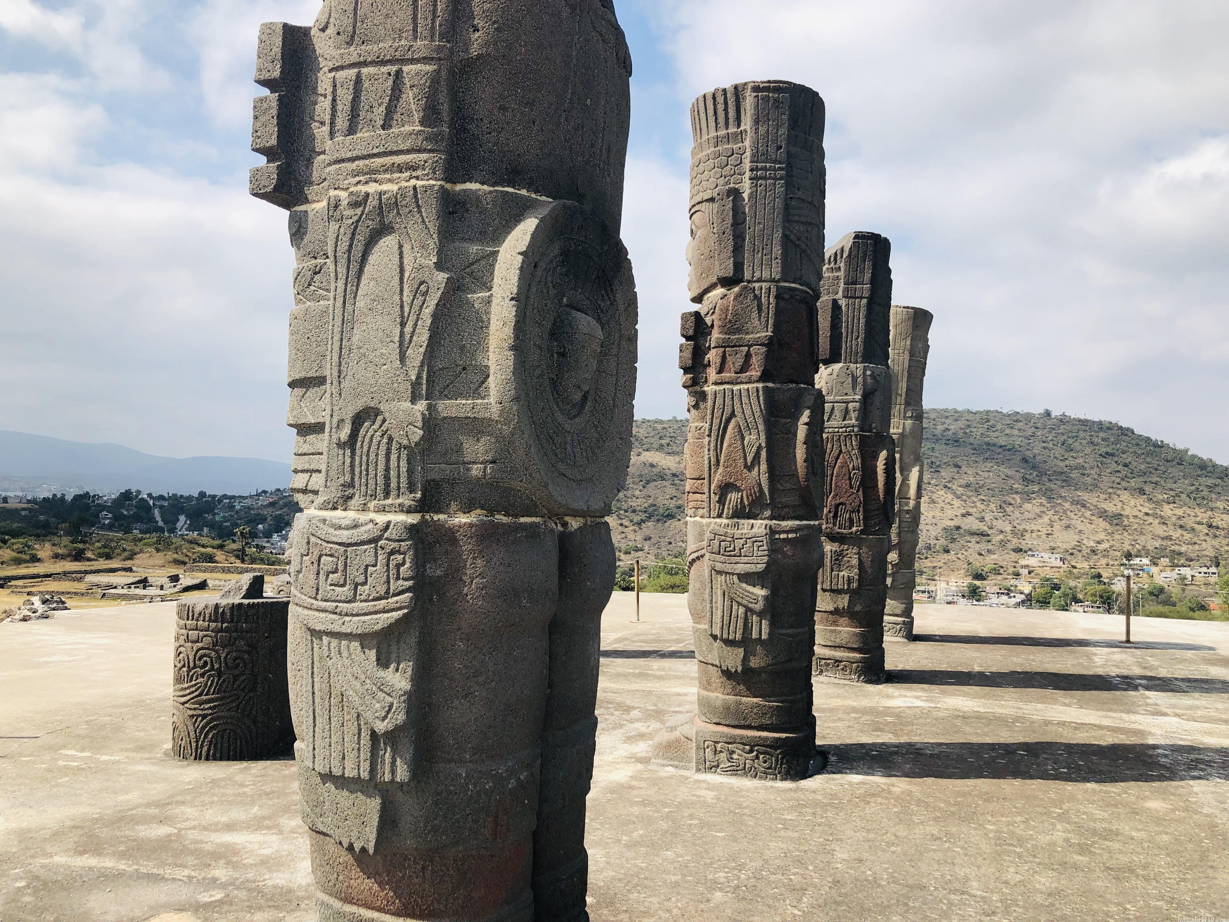 トゥーラ遺跡|戦士の像の手