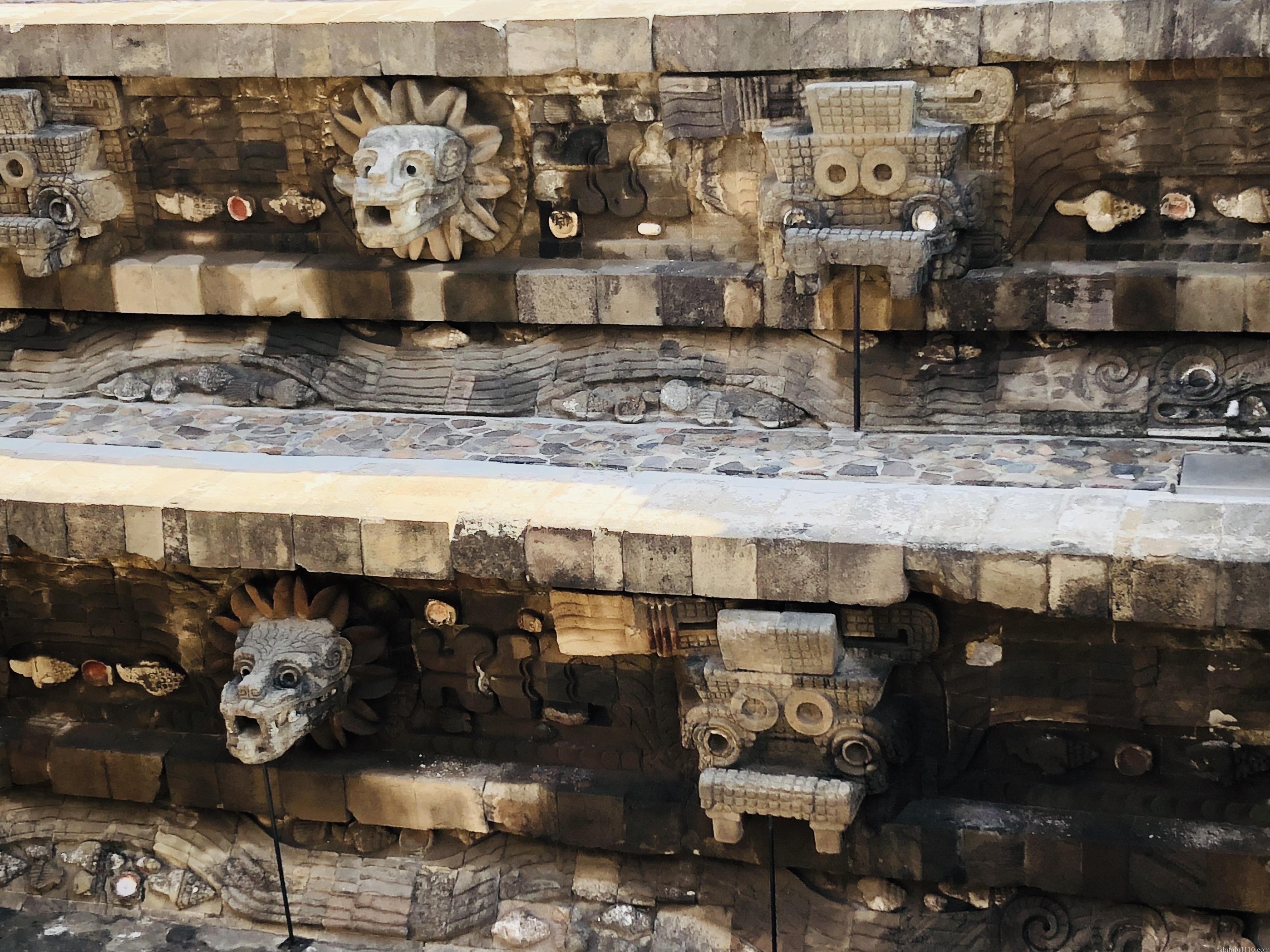 テオティワカン|ケツァルコアトルの神殿