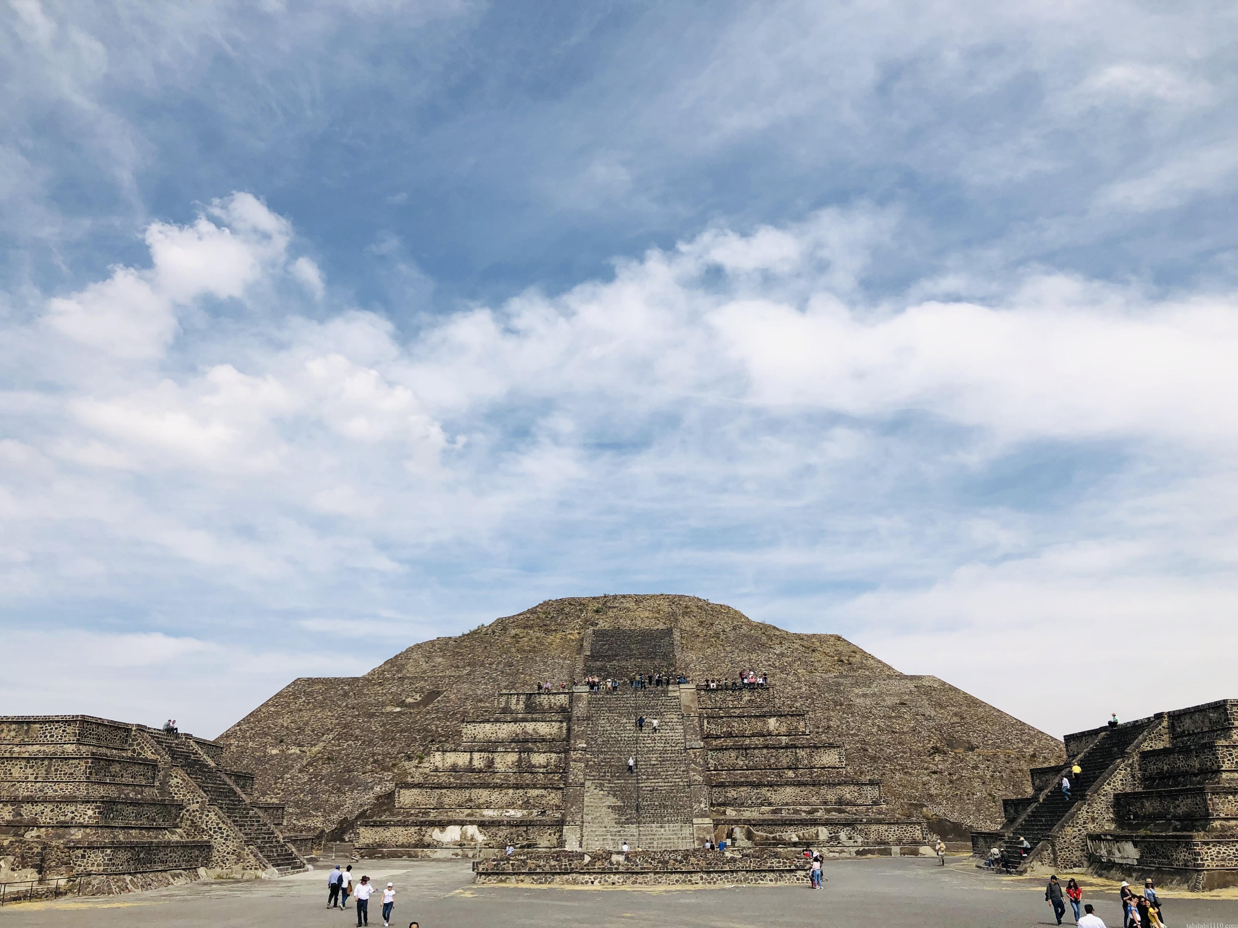 テオティワカン|月のピラミッド