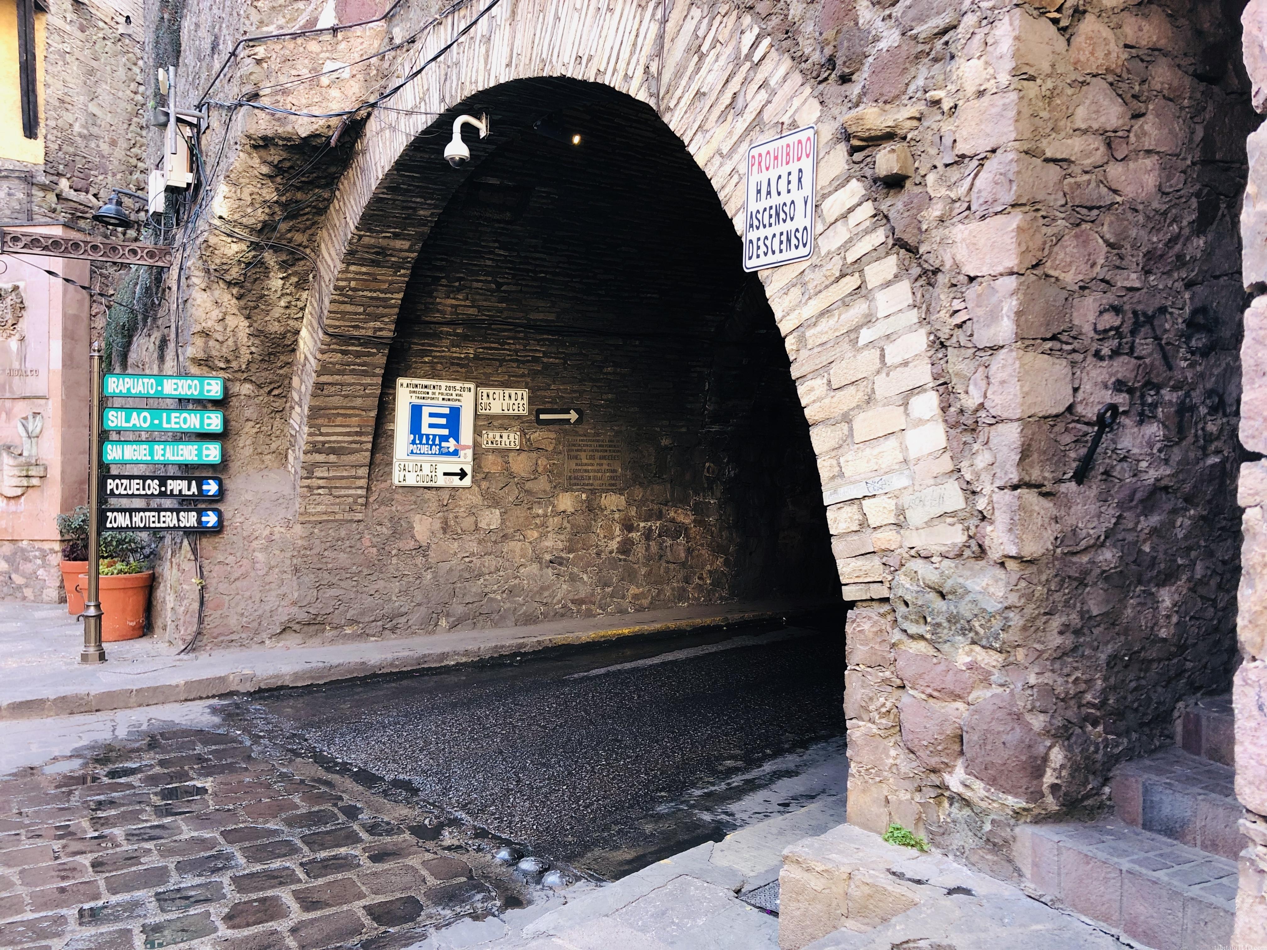 グアナファト|地下道