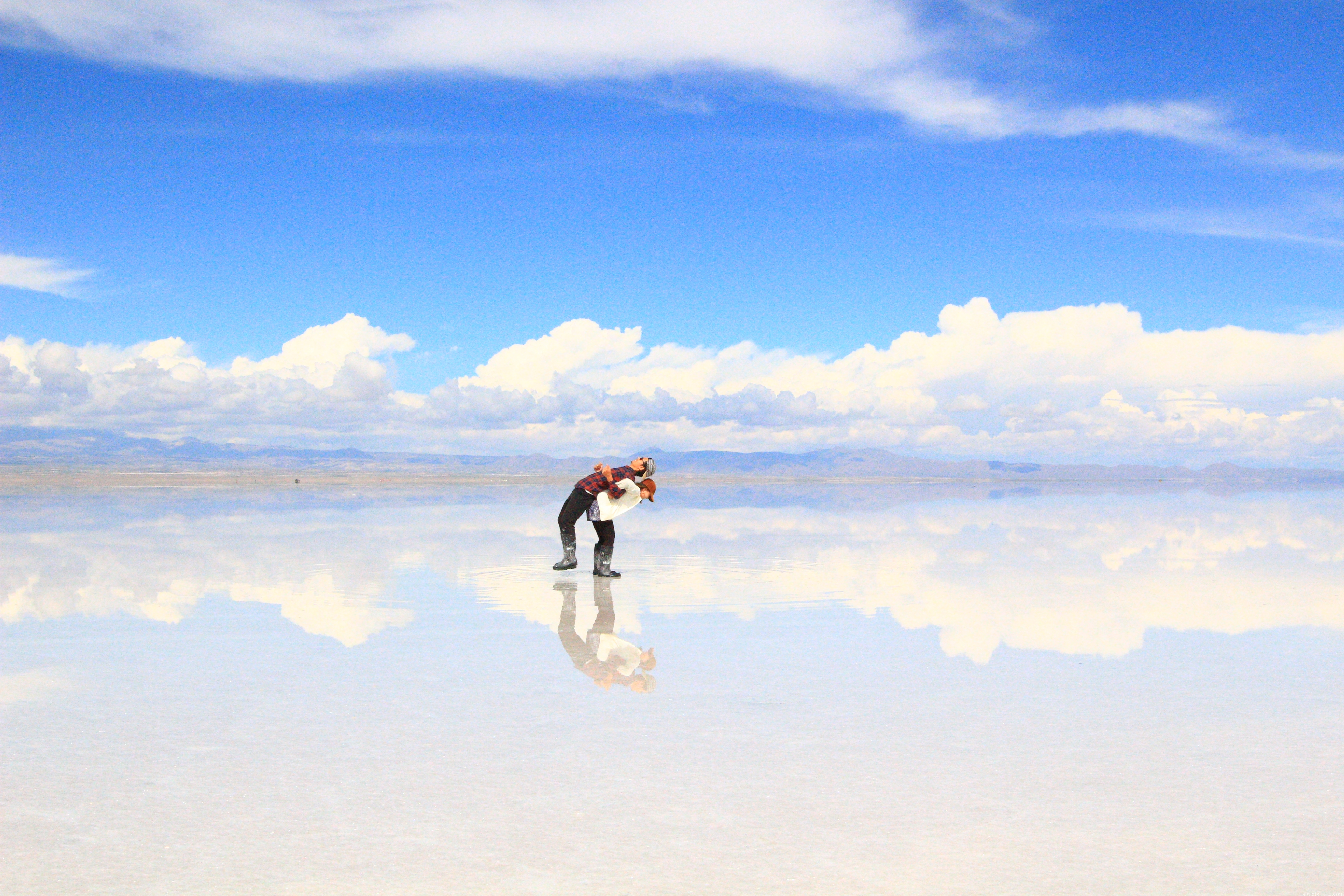 ウユニ塩湖で記念撮影