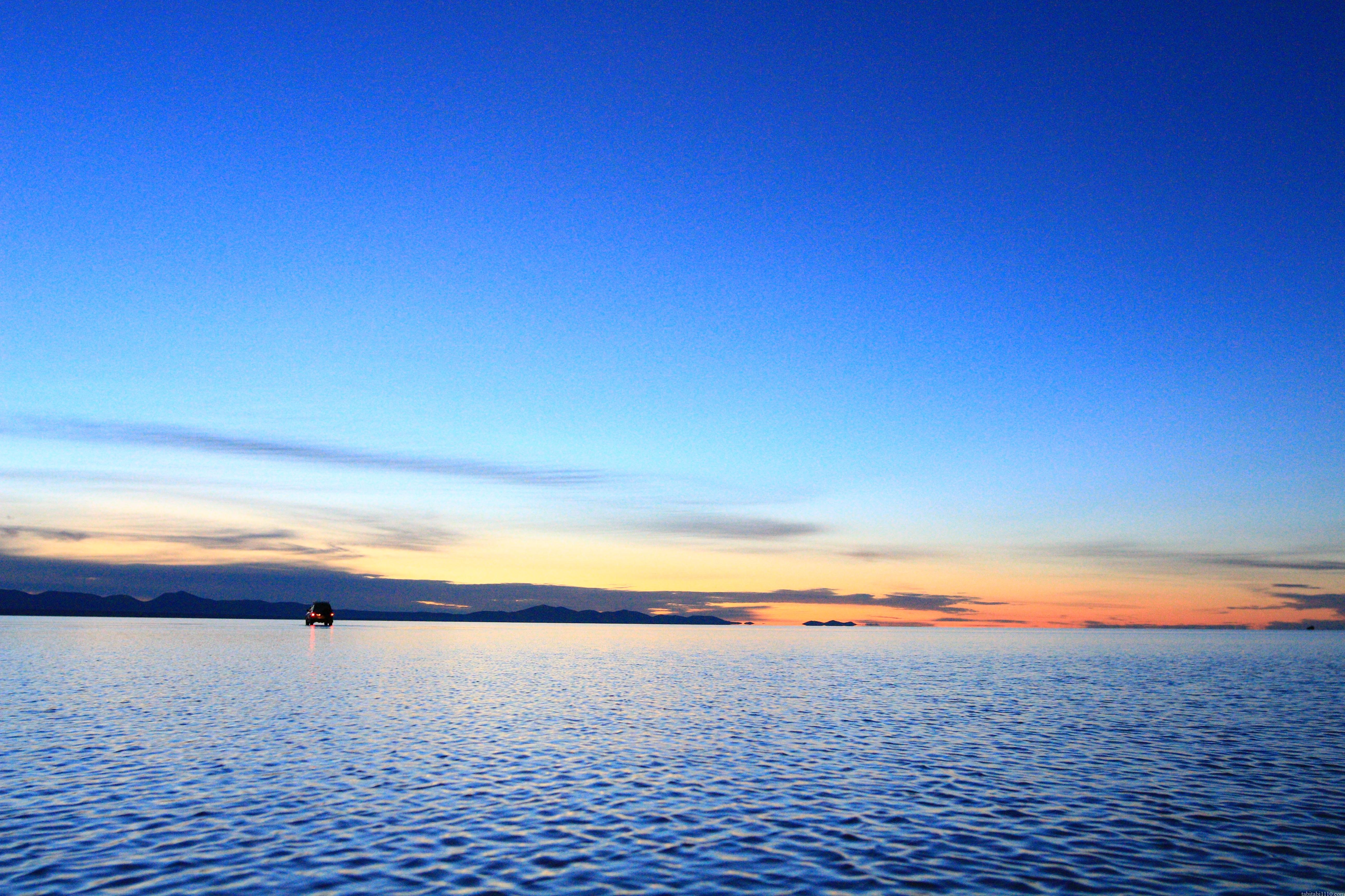 ウユニ塩湖|日の出