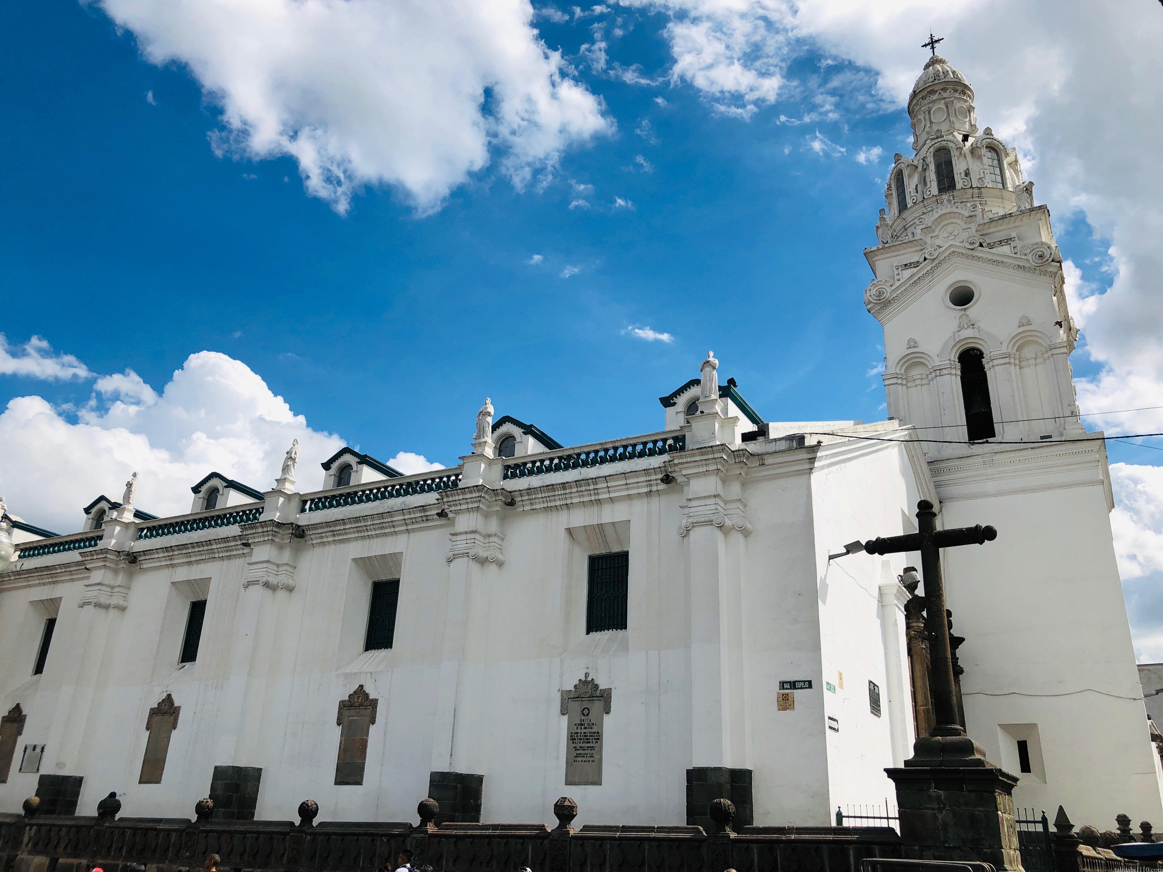 キト 旧市街 大聖堂