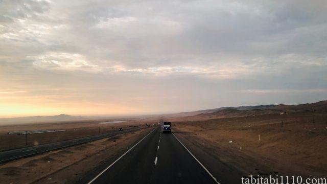 リマ グアヤキル バス