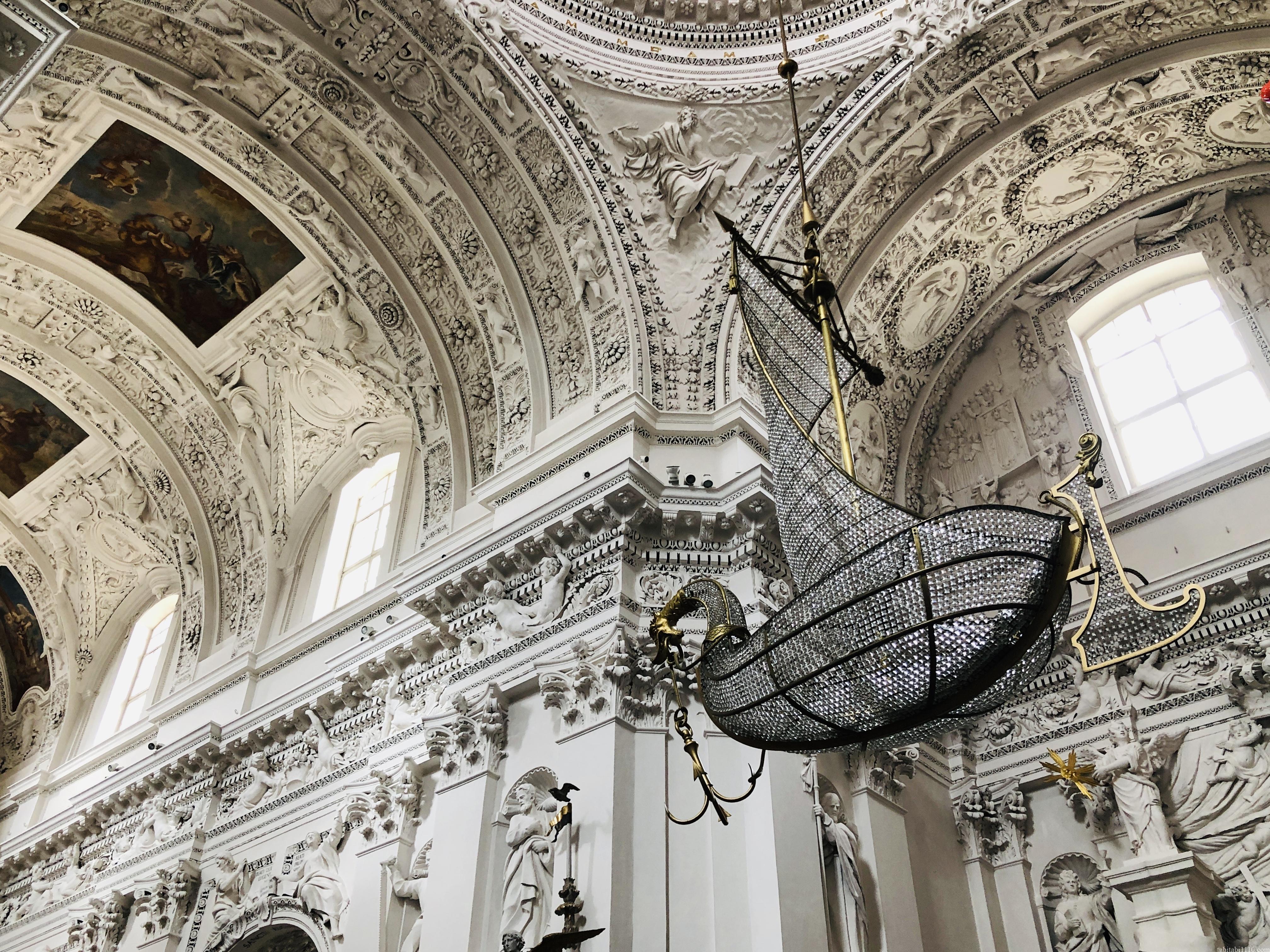 ビリニュス 観光 聖ペテロ・パウロ教会