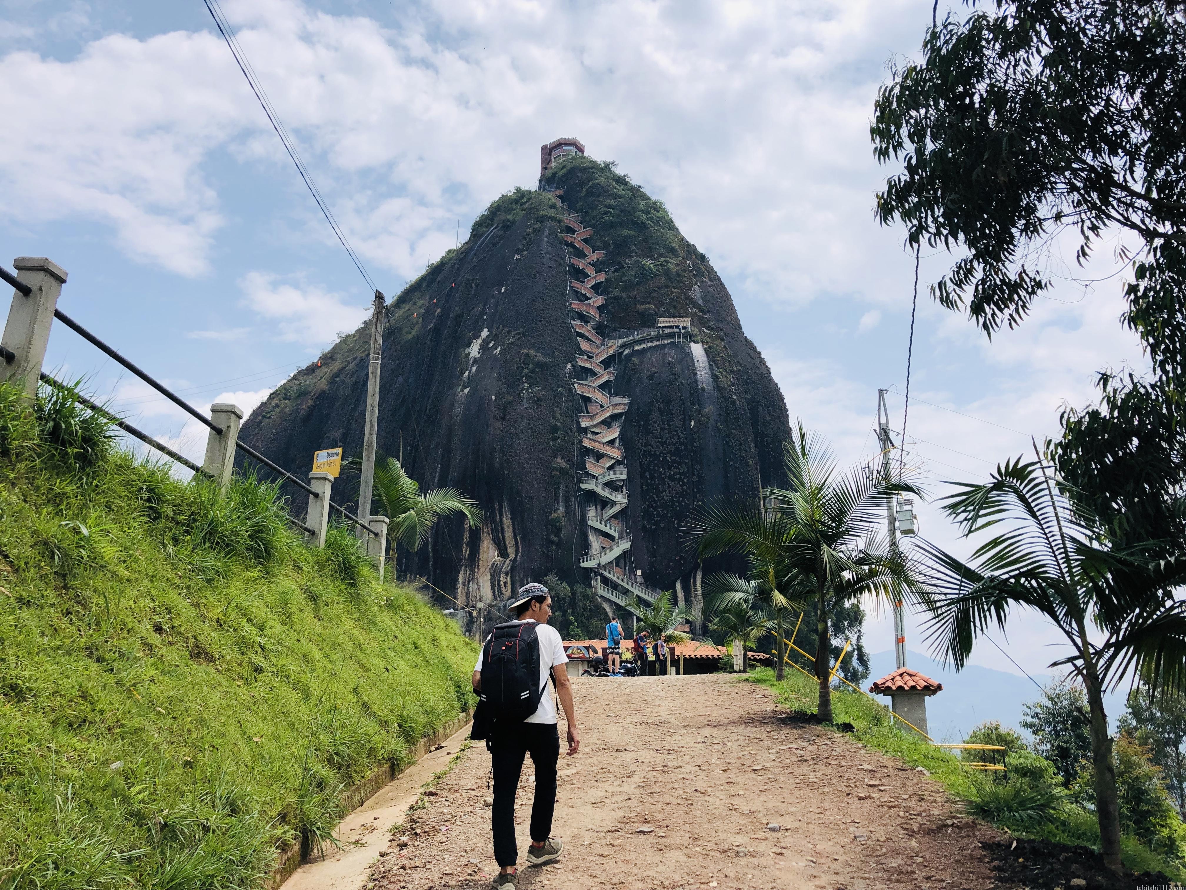 グアタペ 悪魔の岩 ピエドラデルペニョール